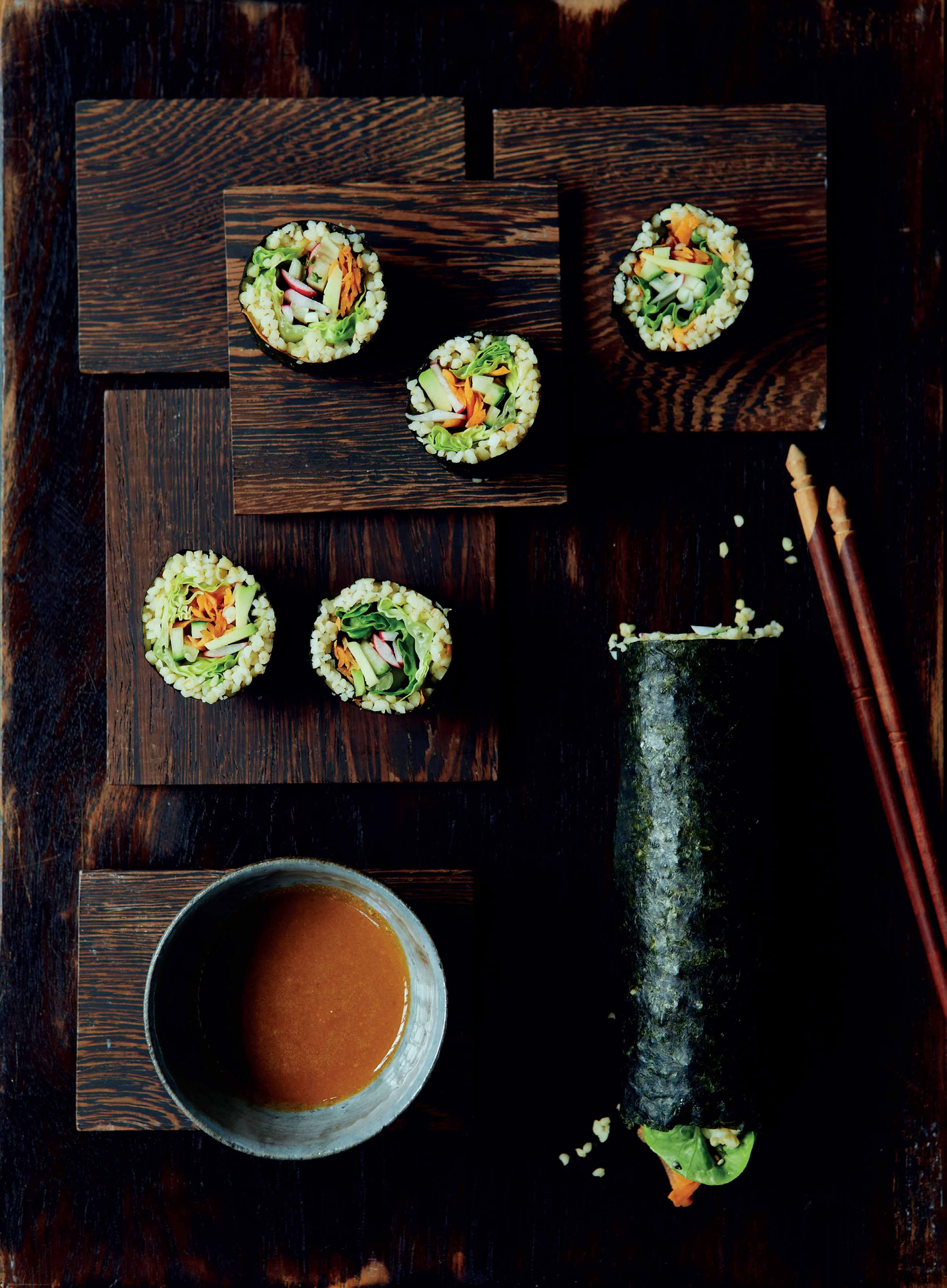 Bulghur-wheat and nori sushi with creamy wasabi dipping sauce