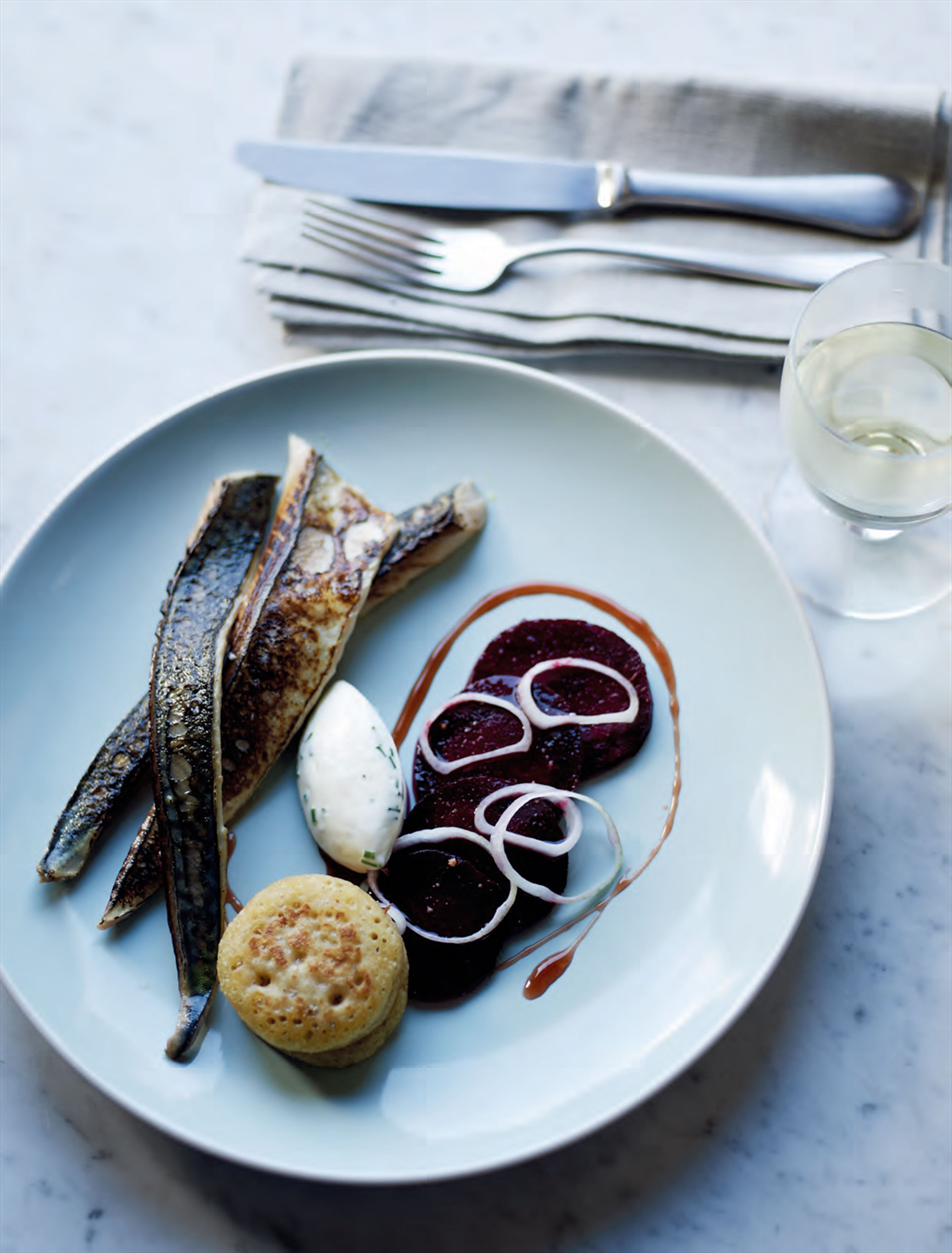 Blow-torched mackerel with beetroot & blinis