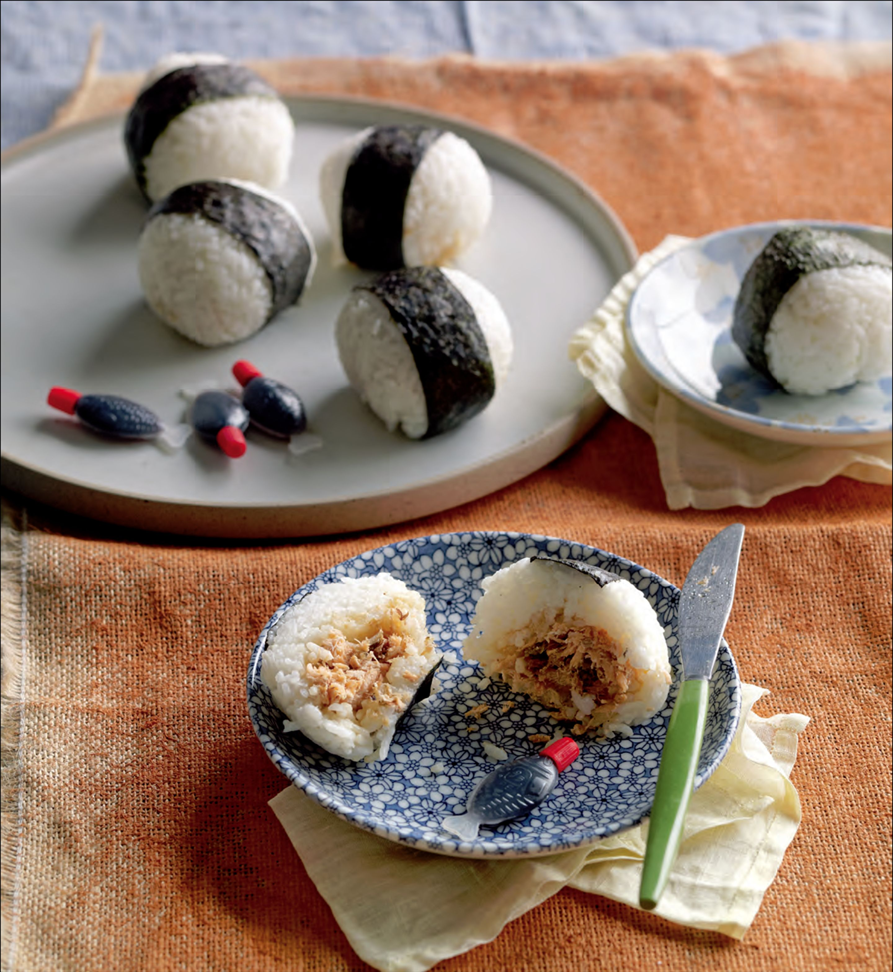 Onigiri with salmon and bonito