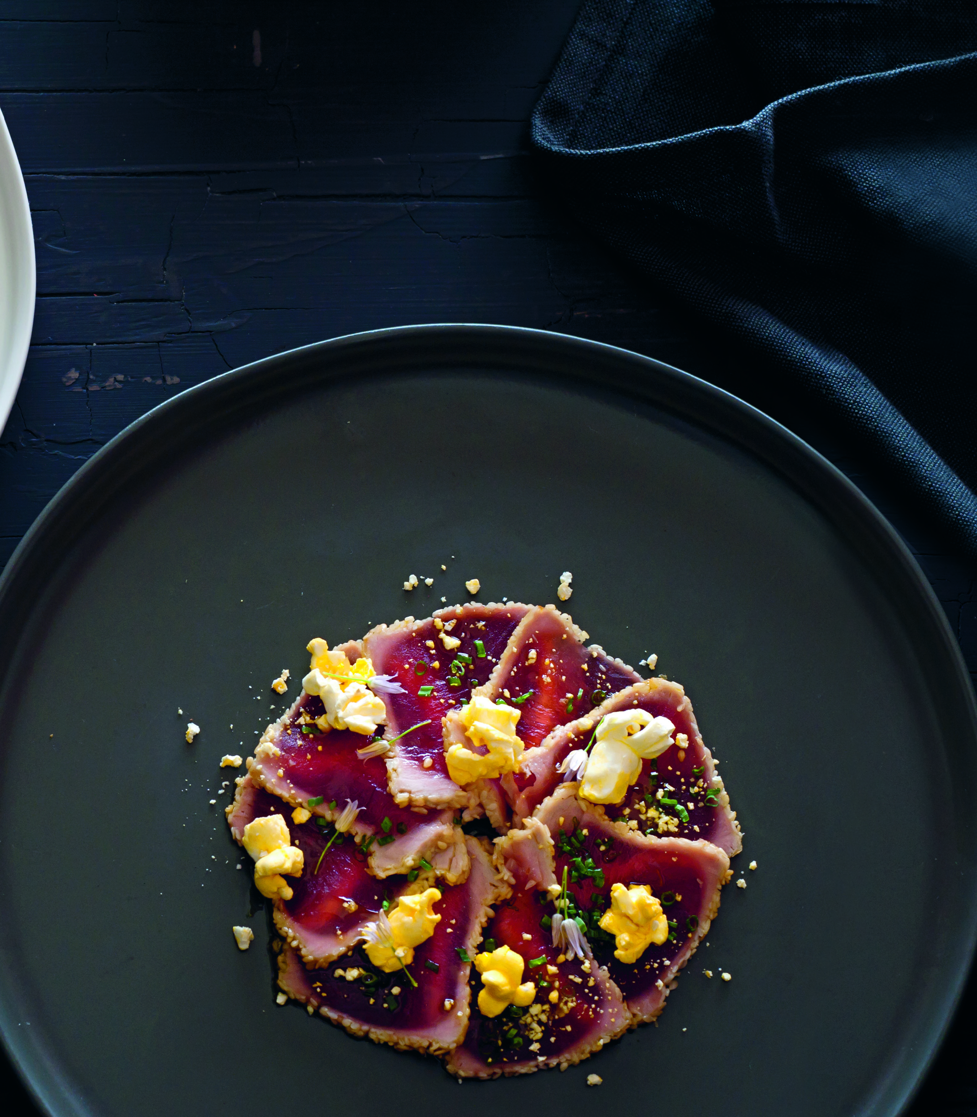 Jim's tuna carpaccio with sesame seeds and salted popcorn