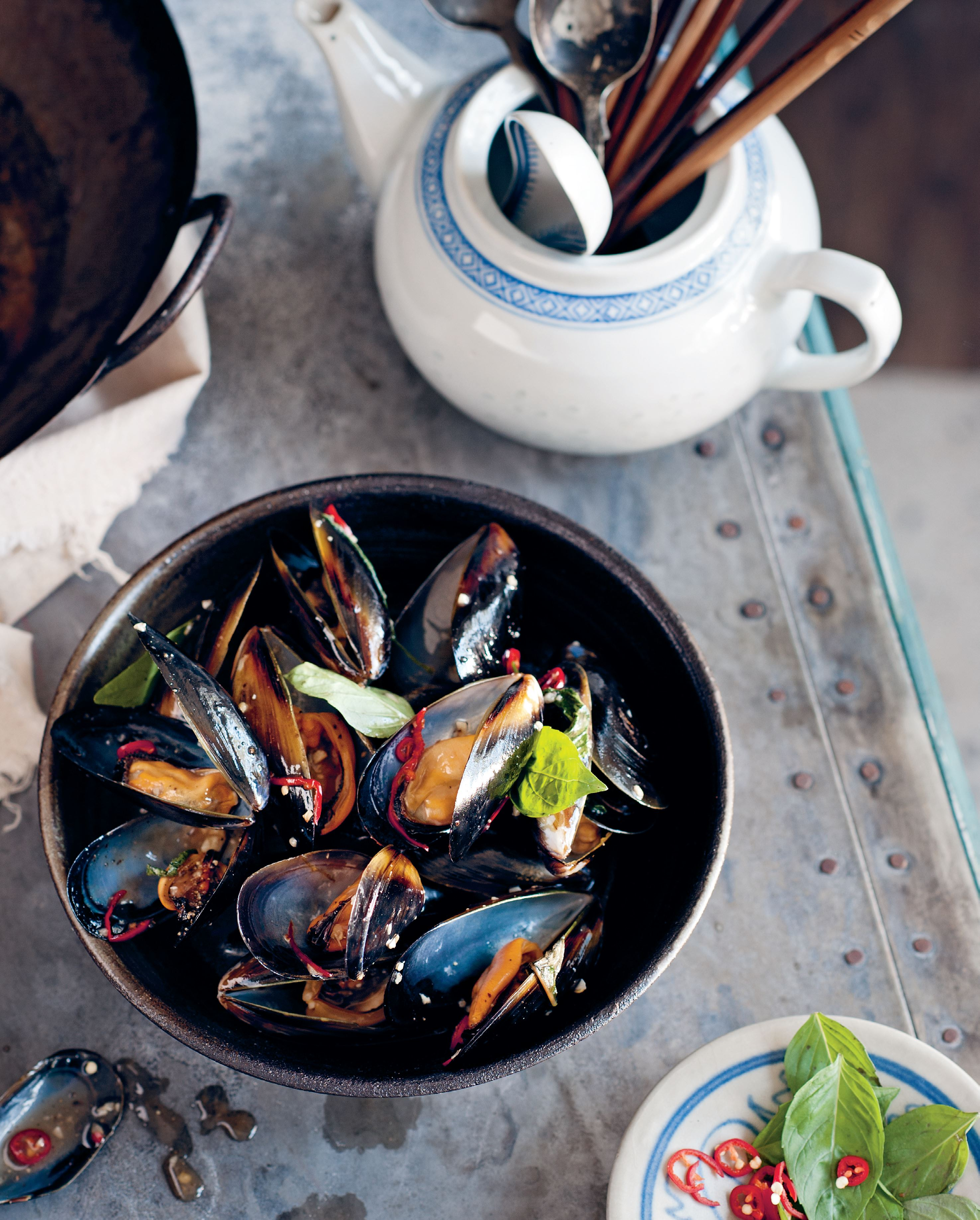 Black mussels with Asian basil and oyster sauce