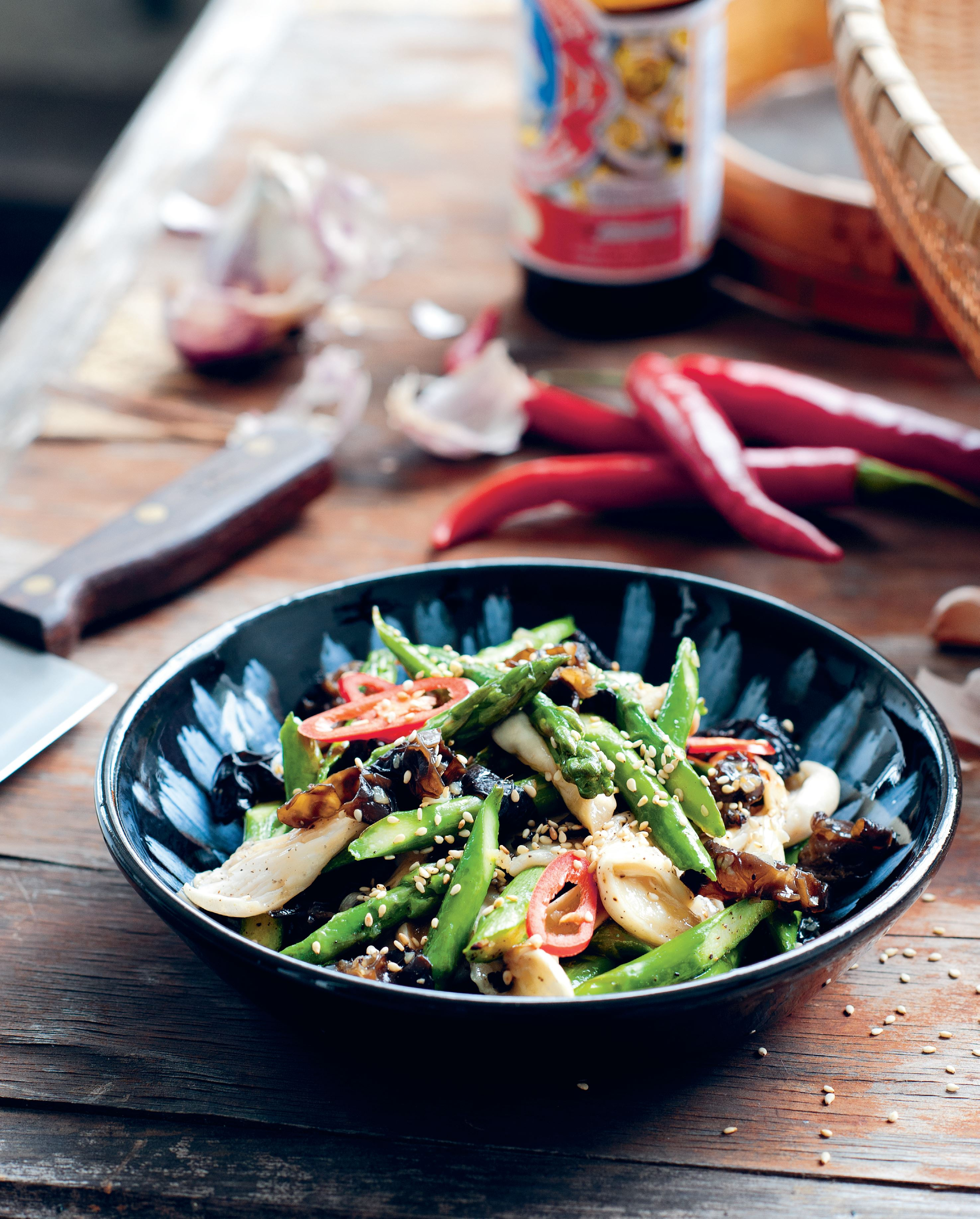 Asparagus wok-tossed with oyster mushrooms