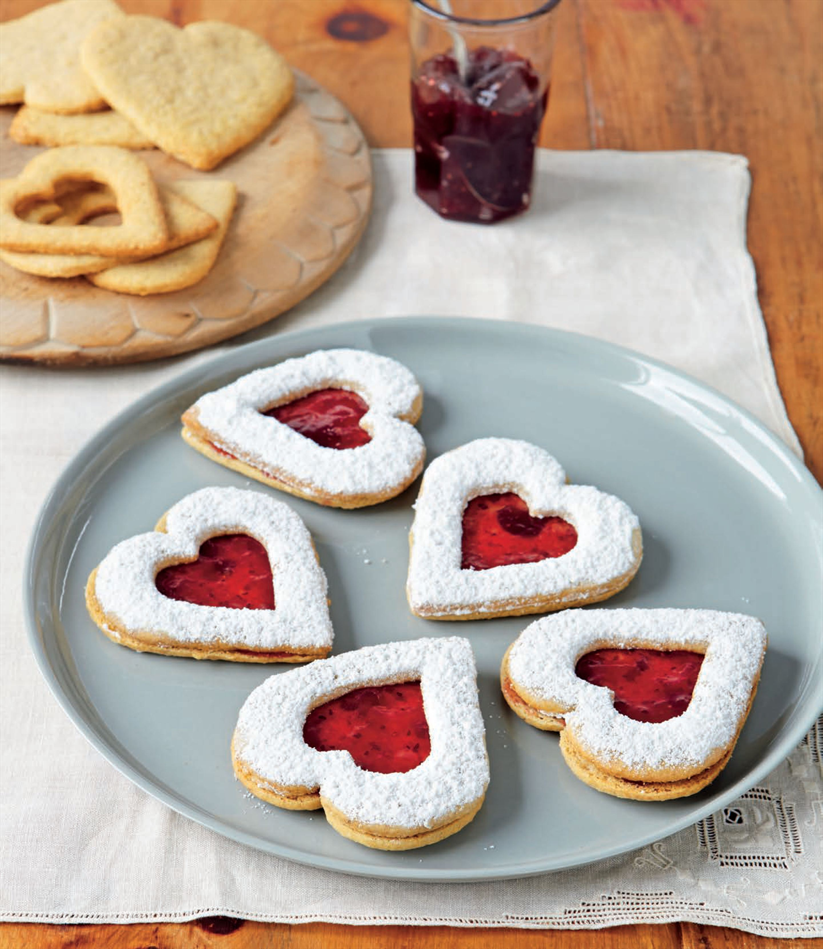 Linzer biscuits