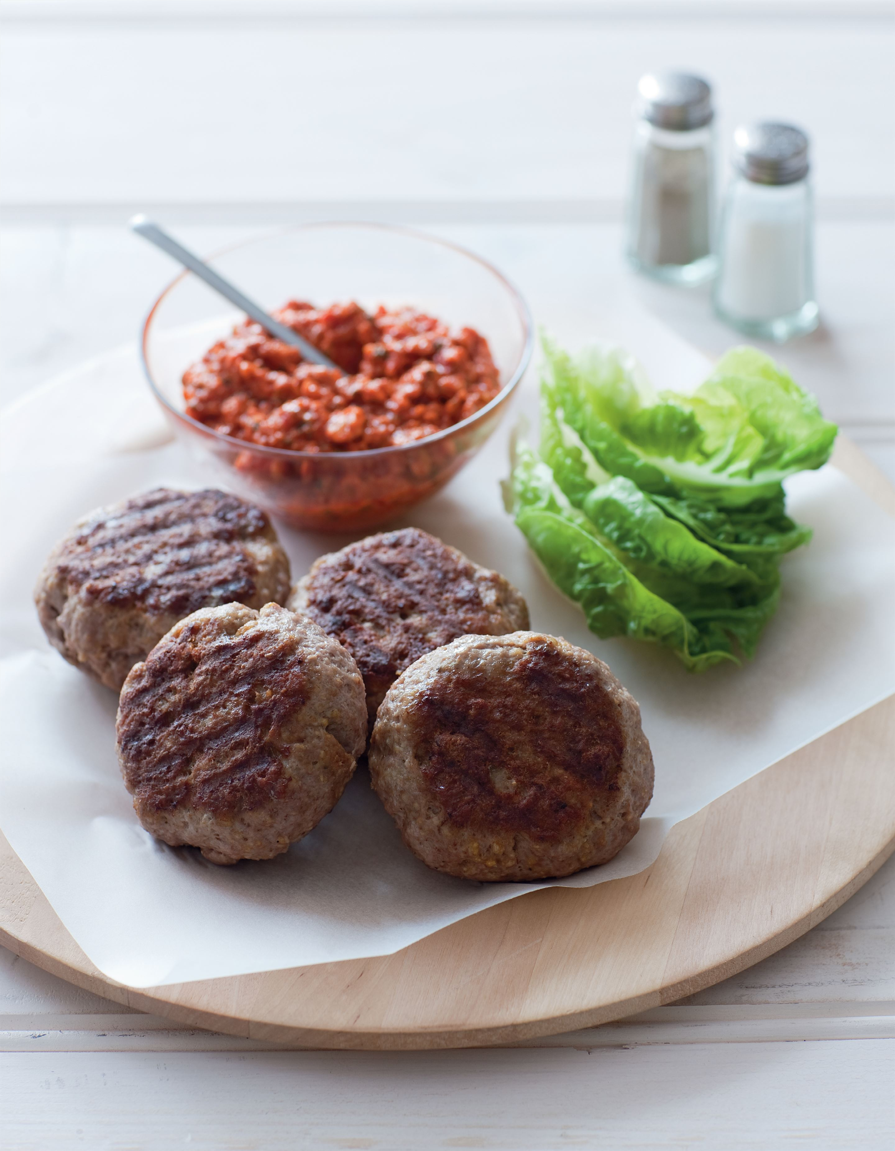 Lamb patties with romesco sauce