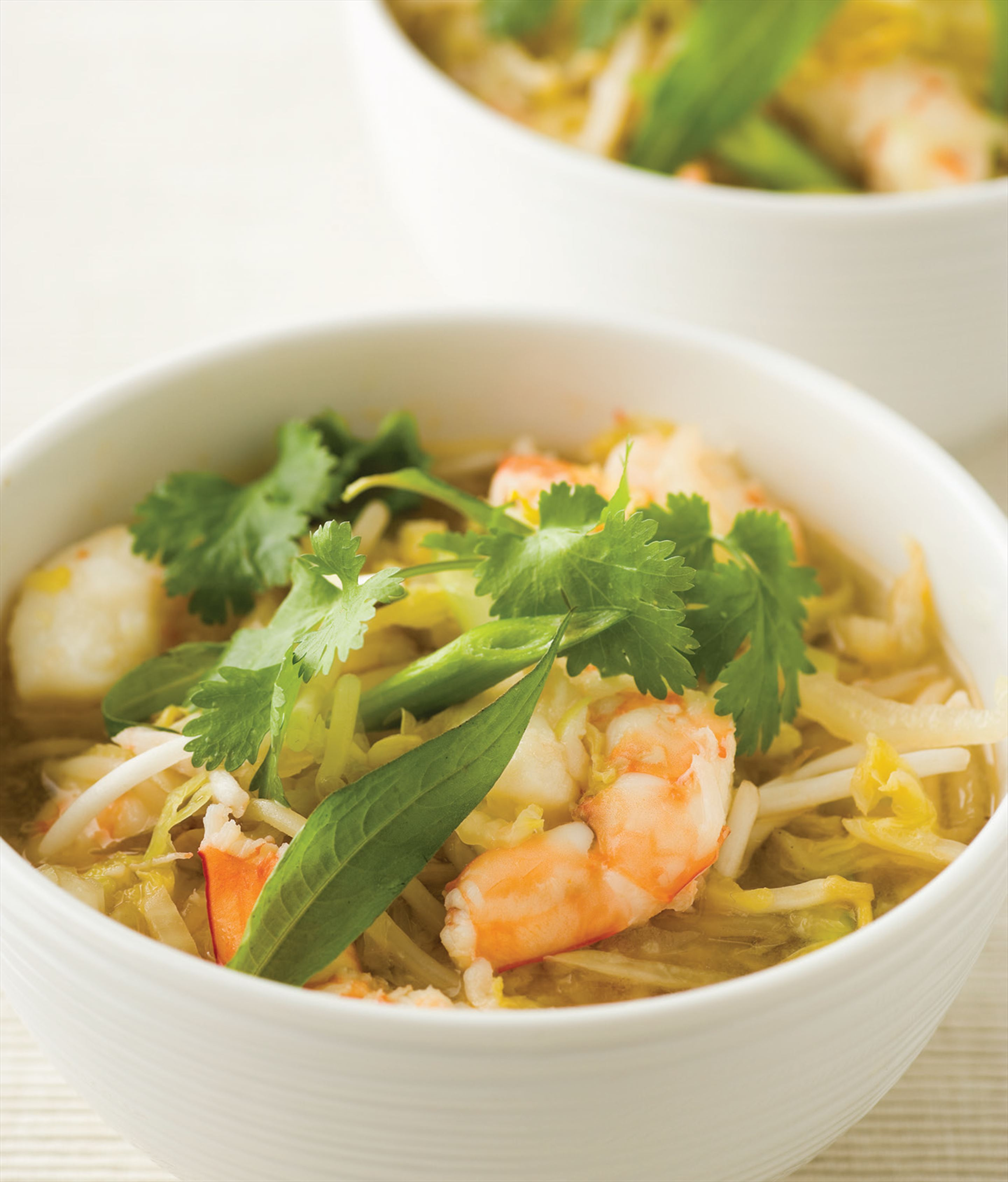 Chinese cabbage and prawn soup