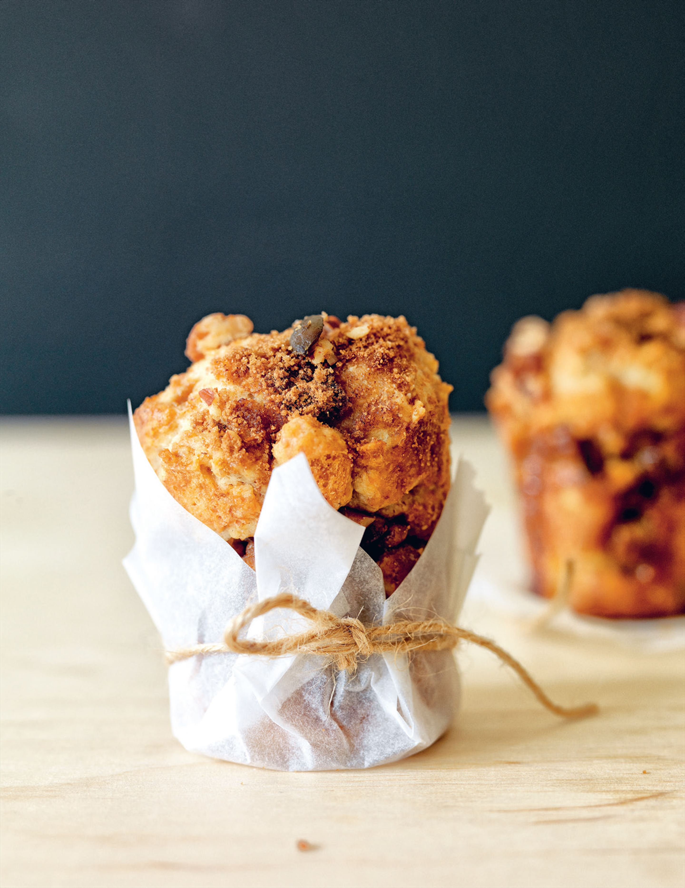Apple, sour cream & cinnamon crunch muffins
