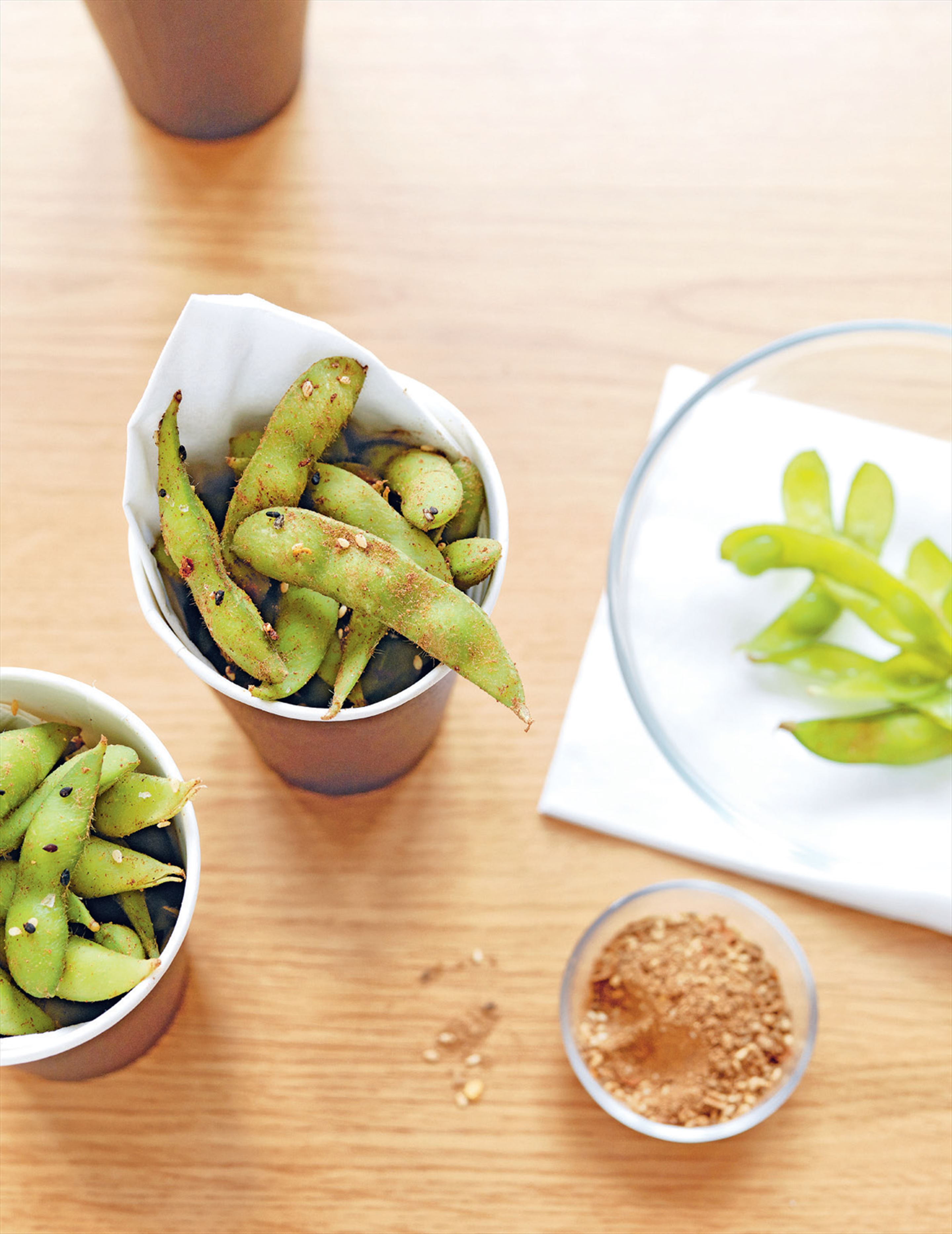 Edamame with Chinese five-spice salt