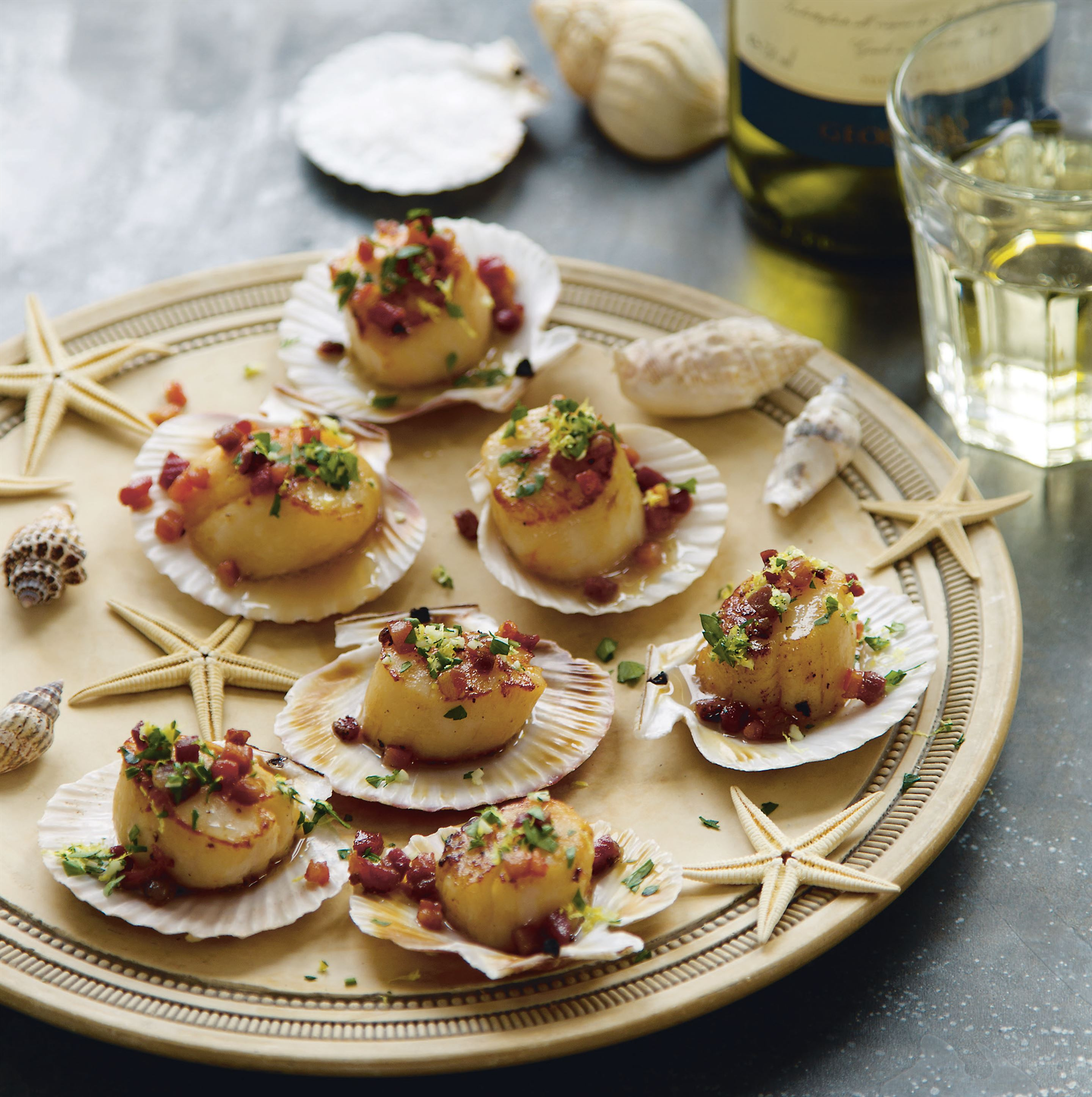 Scallops with crispy pancetta and gremolata