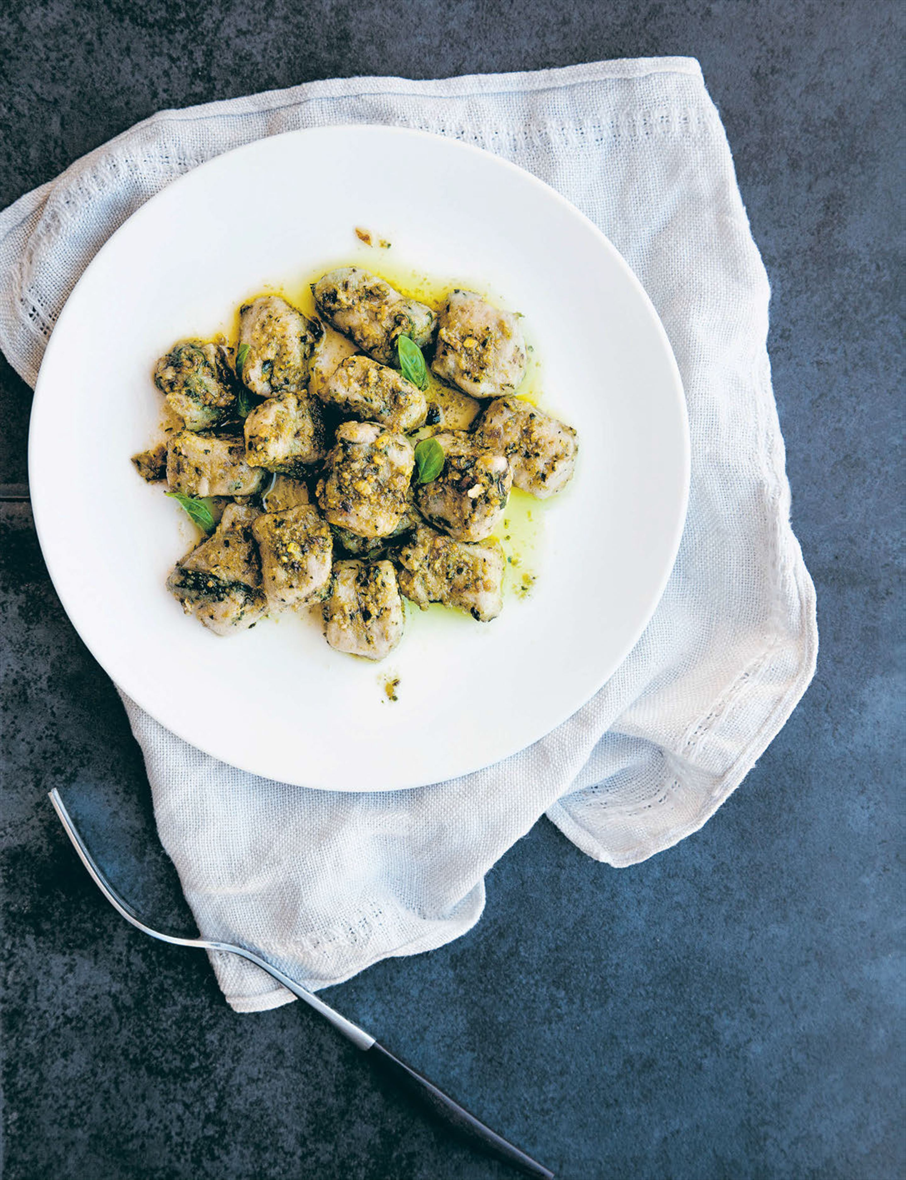 Spinach gnocchi with basil pesto