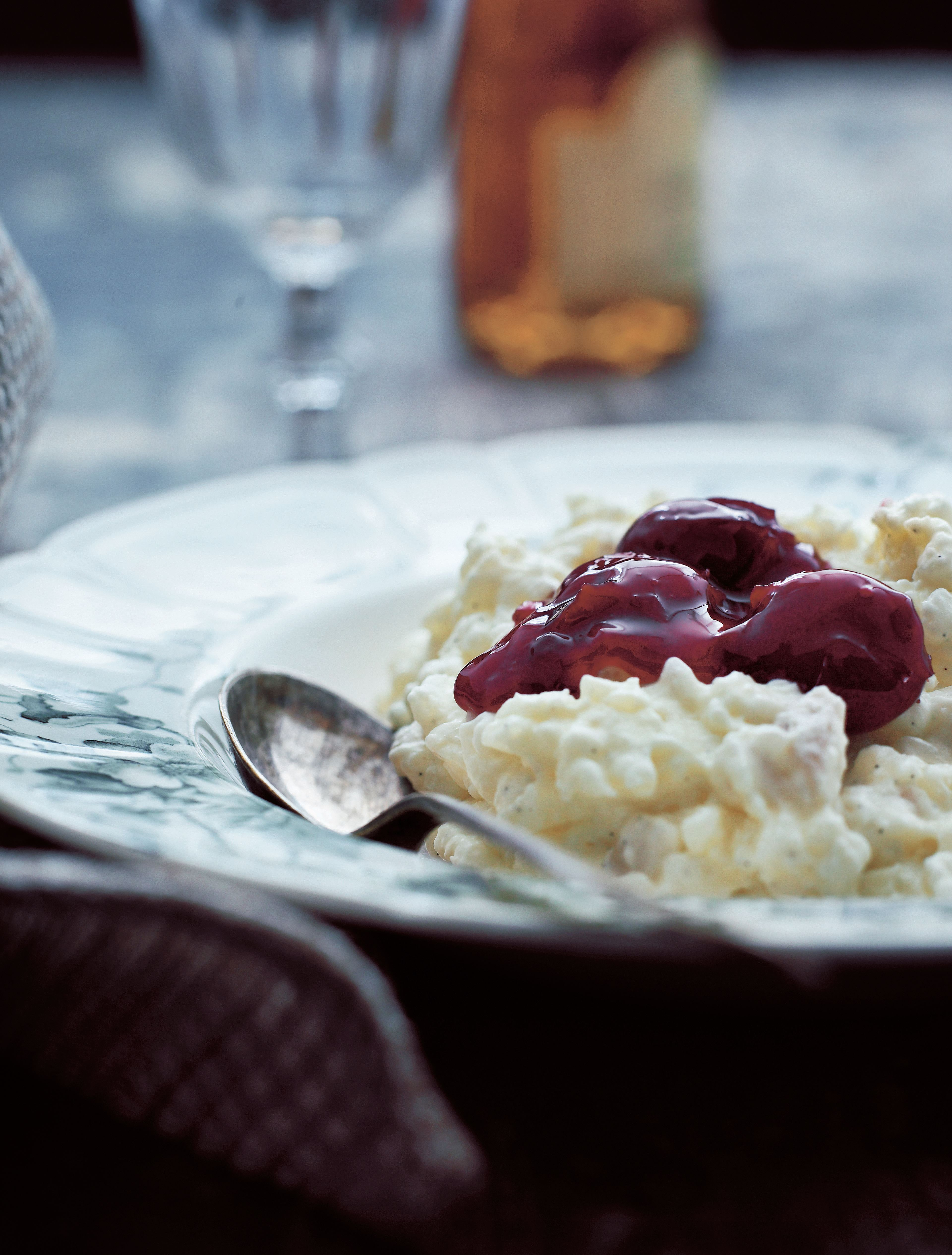 Rice pudding with warm cherry sauce