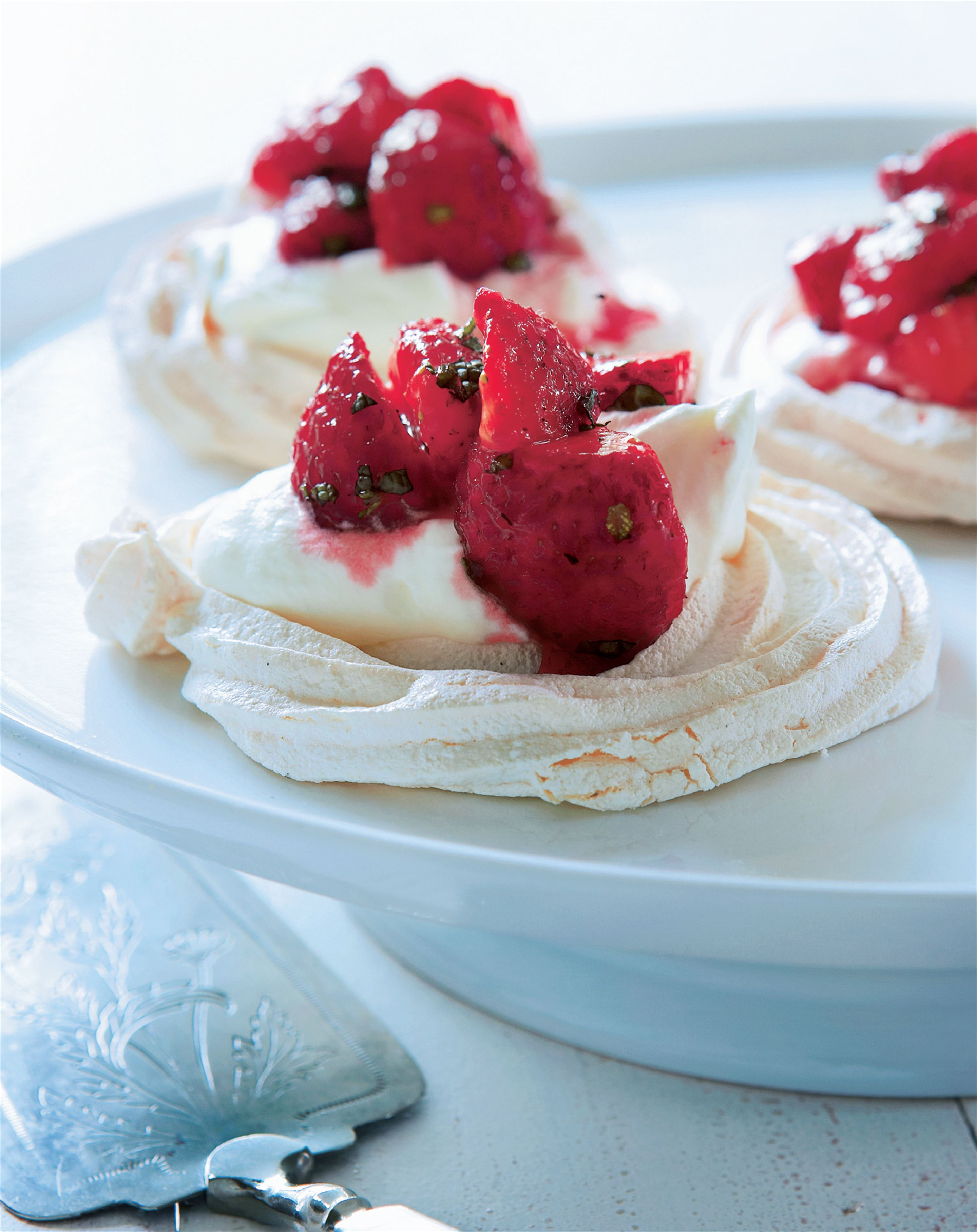 Meringues with strawberry-mint salsa