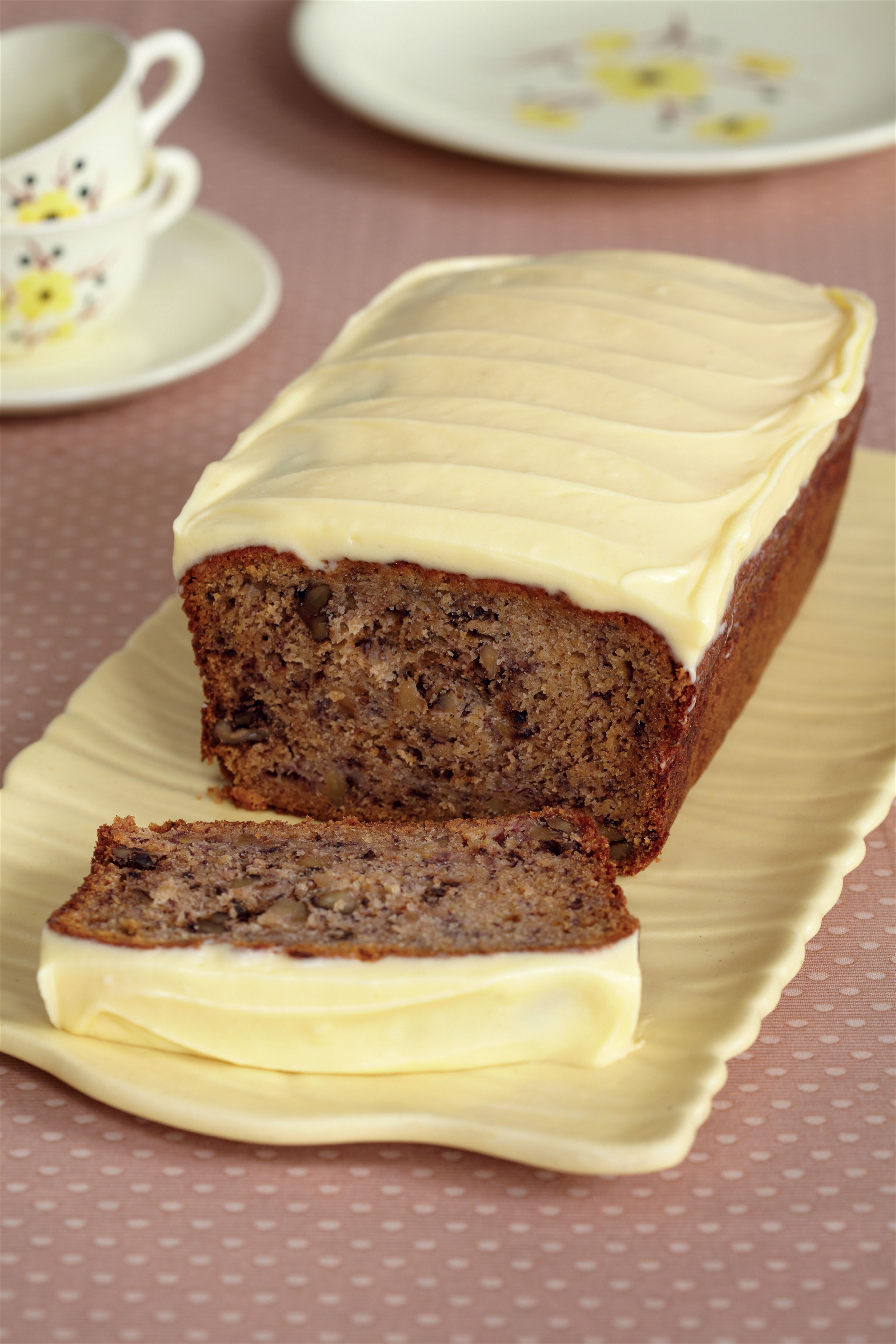 Banana loaf cake with banana frosting