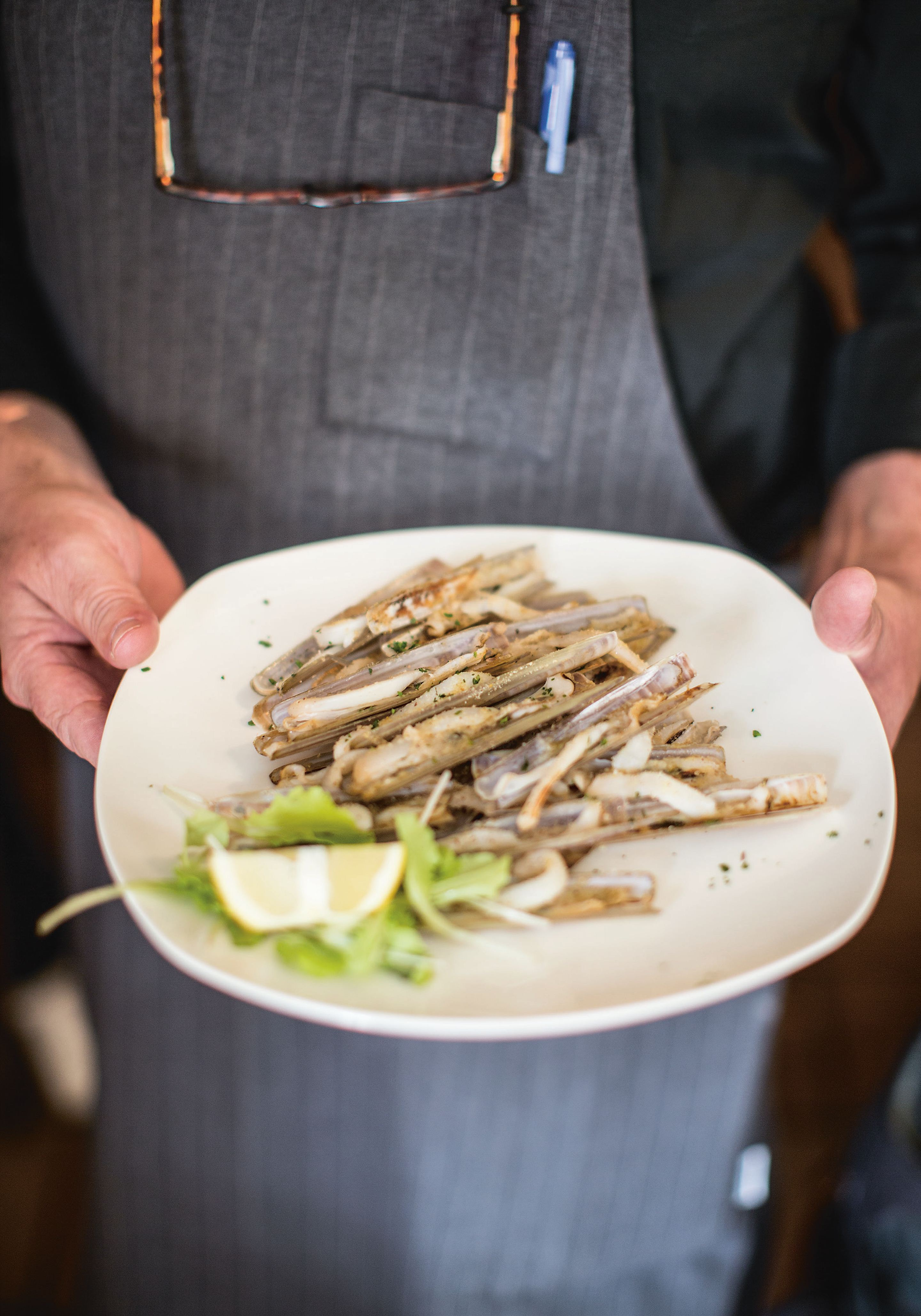 Razor clams with garlic and parsley