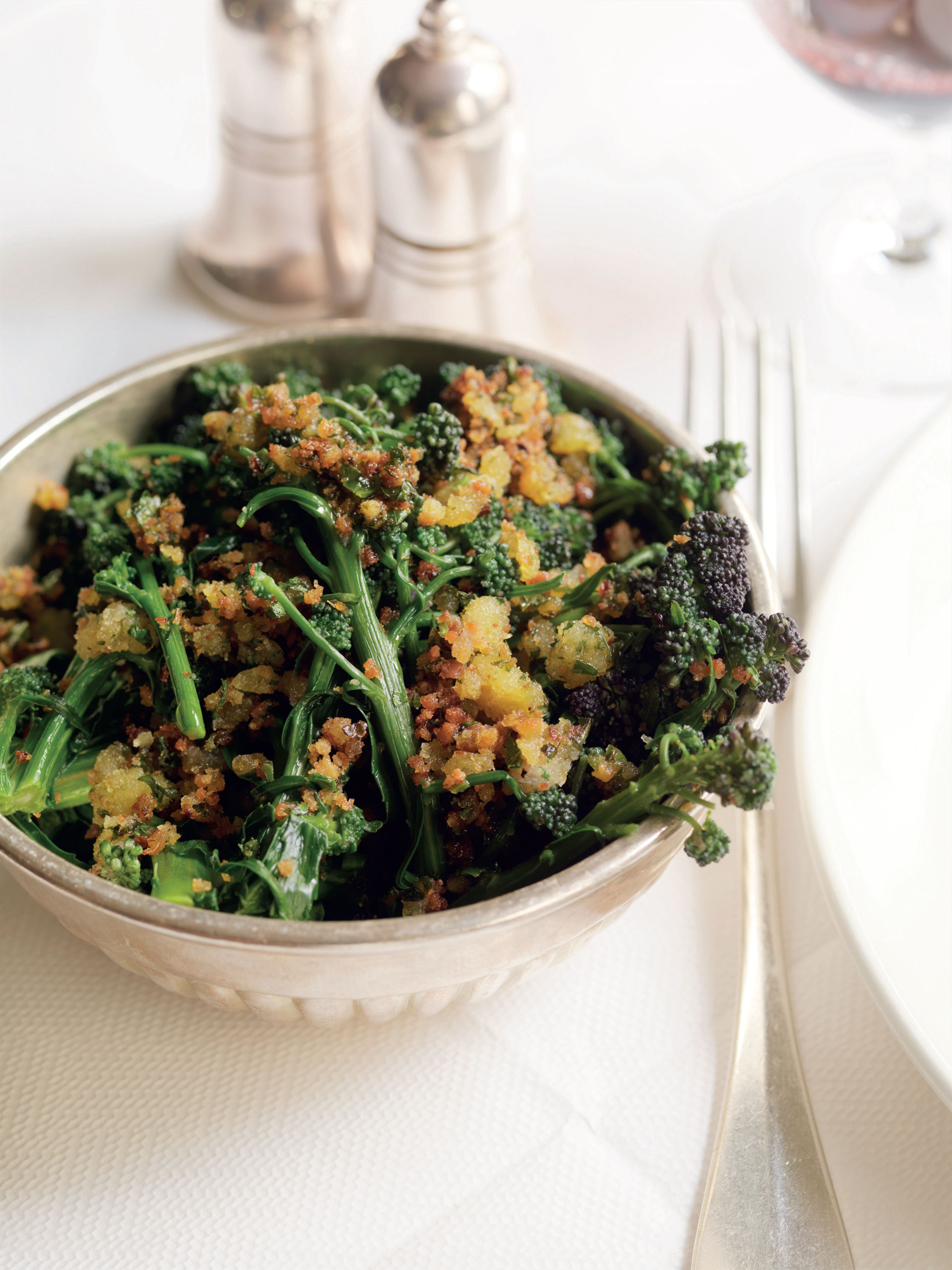 Sprouting broccoli with herbs and hazelnuts