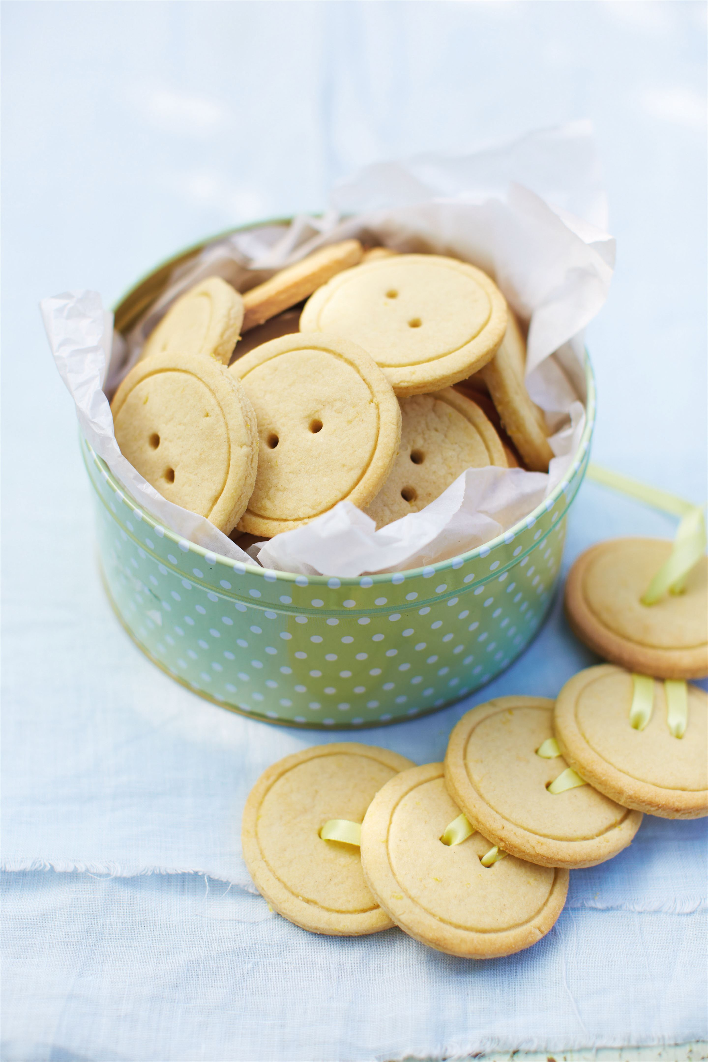 Lemon button biscuits