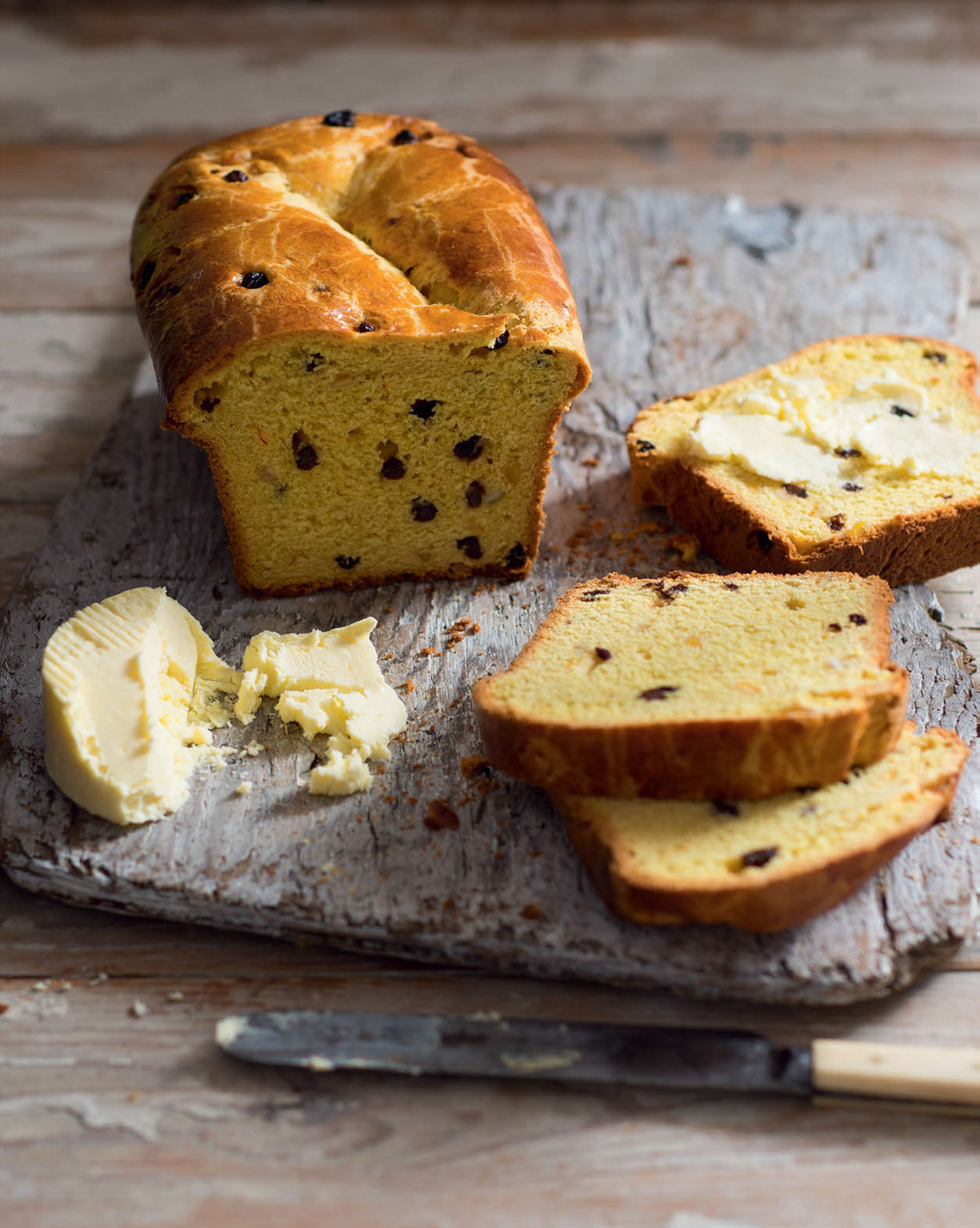Saffron fruit loaf