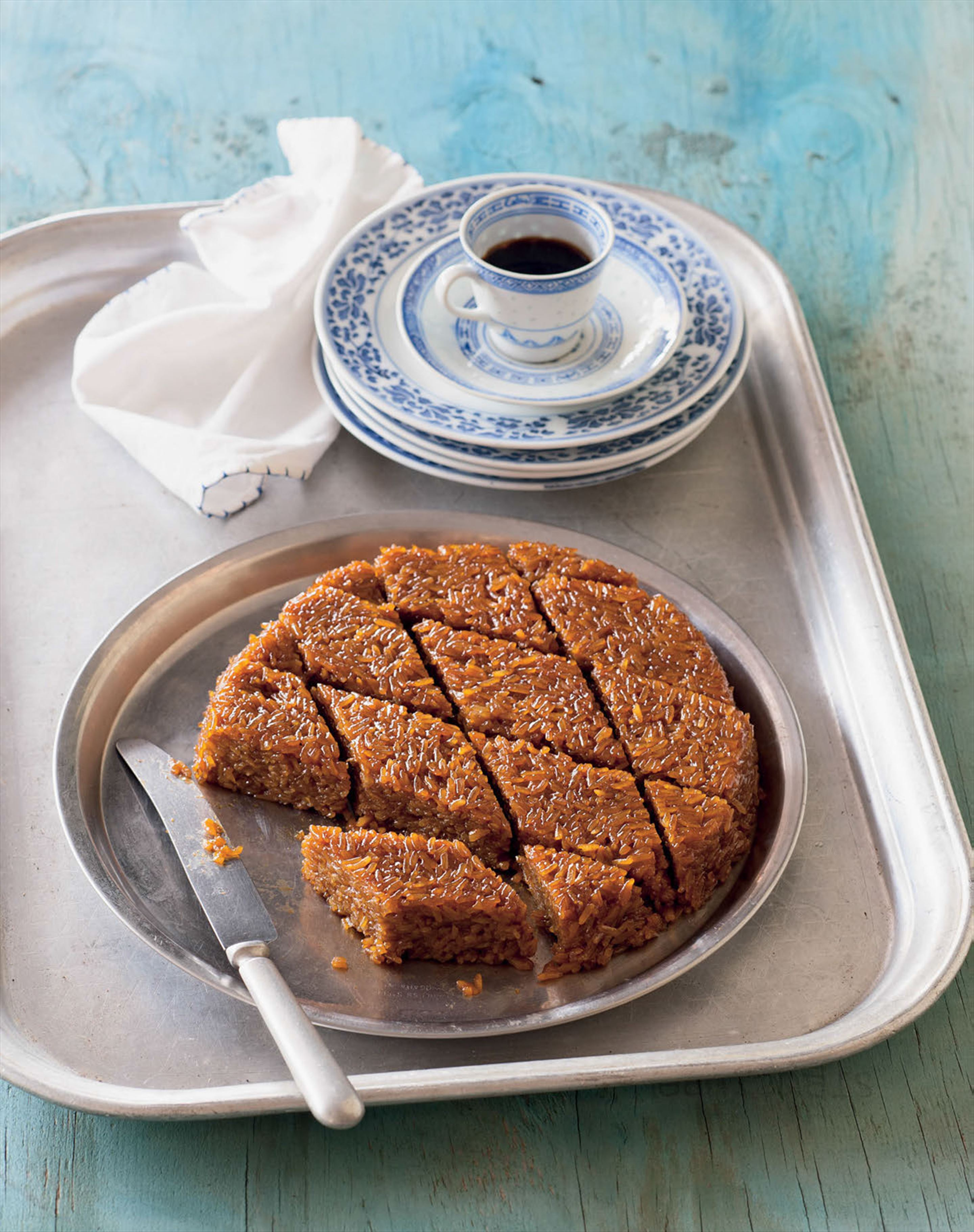 Rice and palm sugar cake