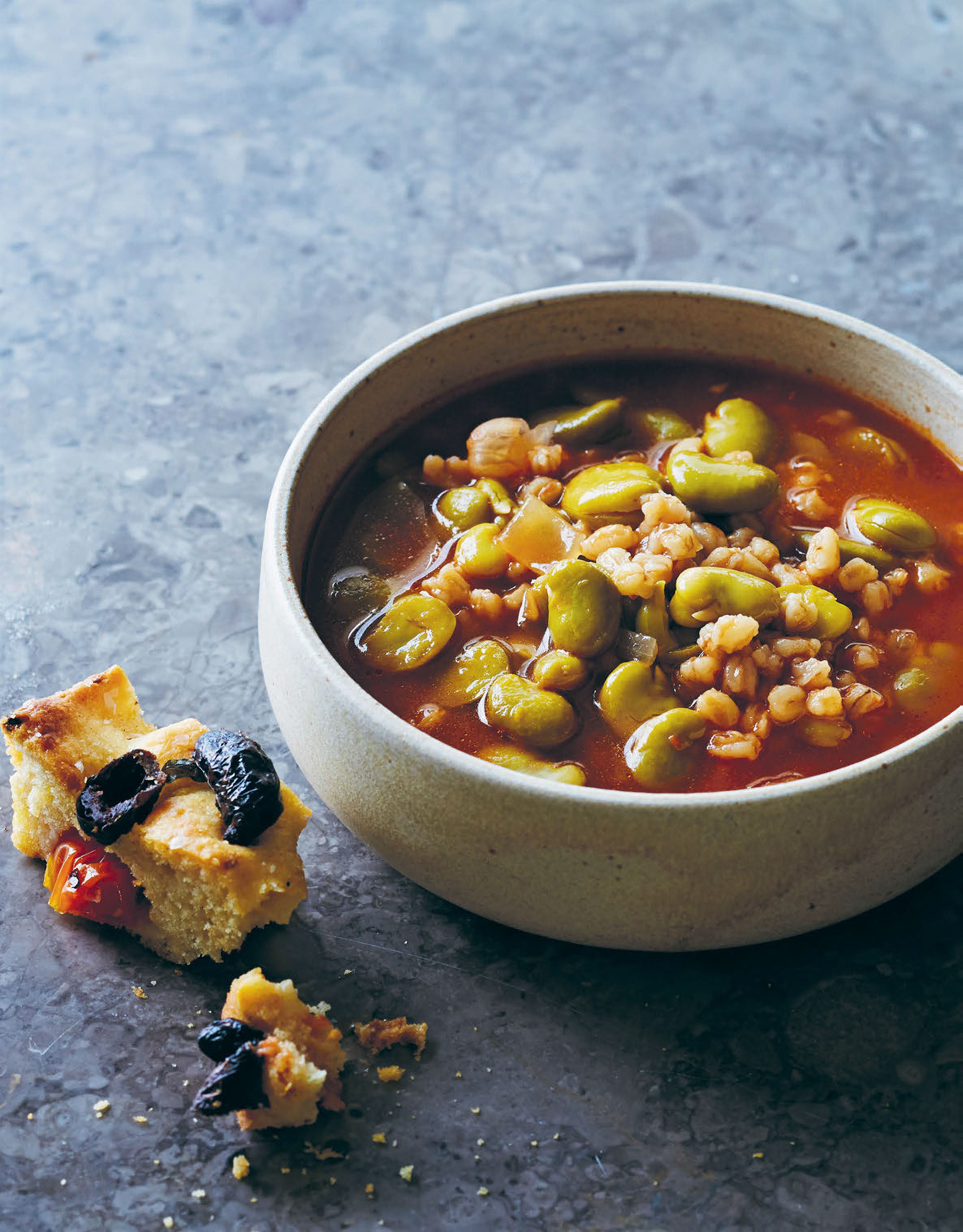 Broad bean soup