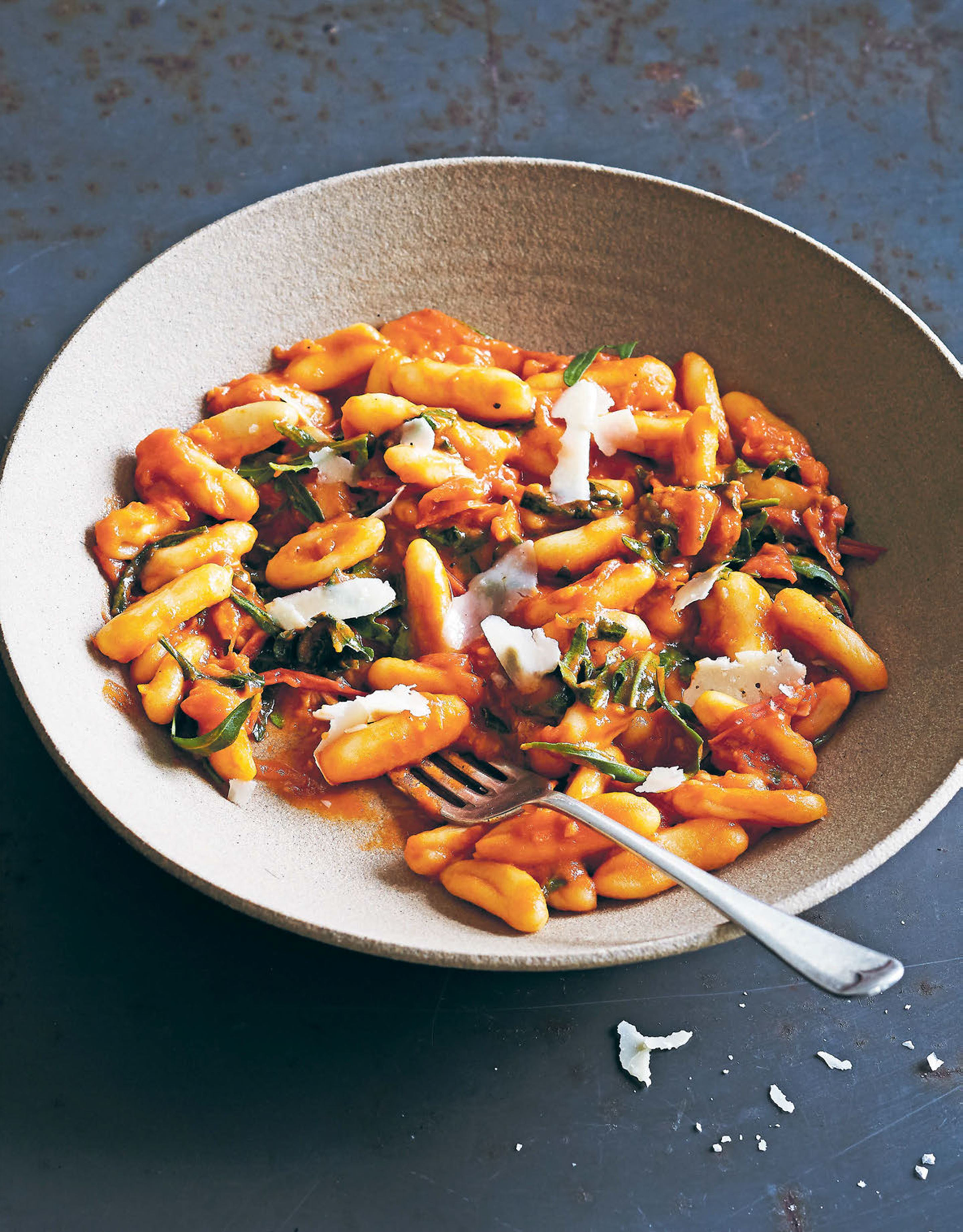 Cavatelli with rocket and tomatoes