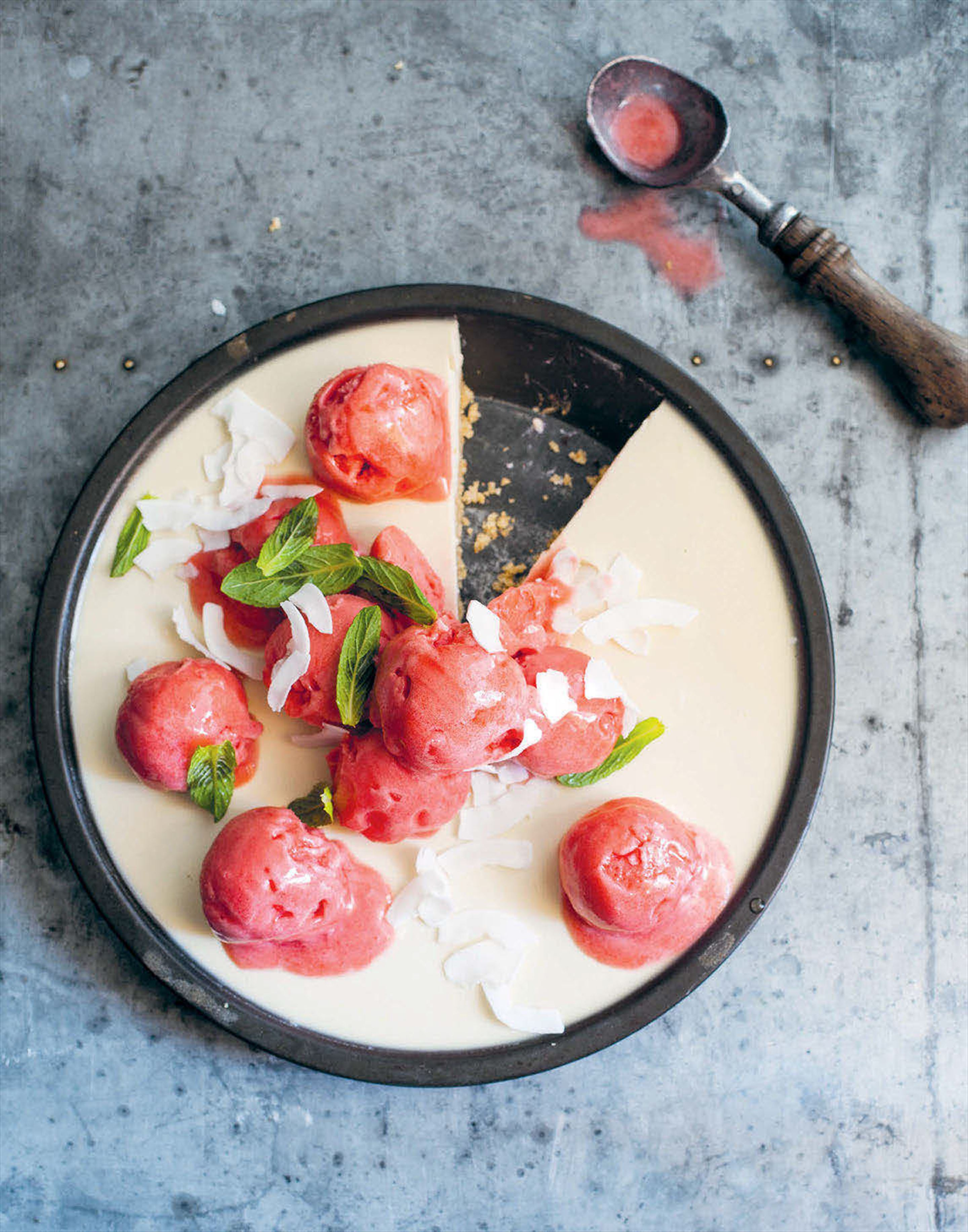 Coconut pie with watermelon and mint