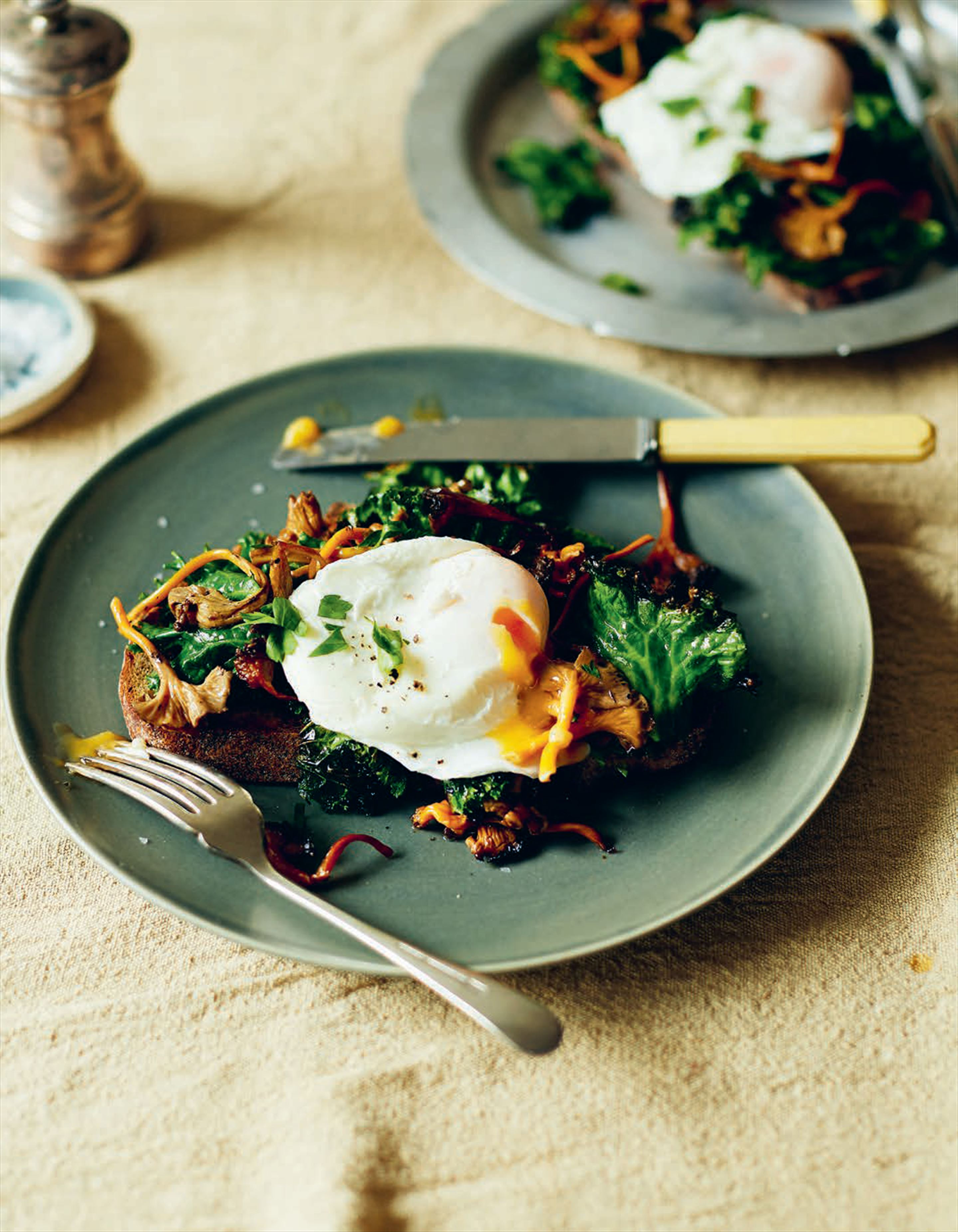Chanterelle toast with poached eggs & kale