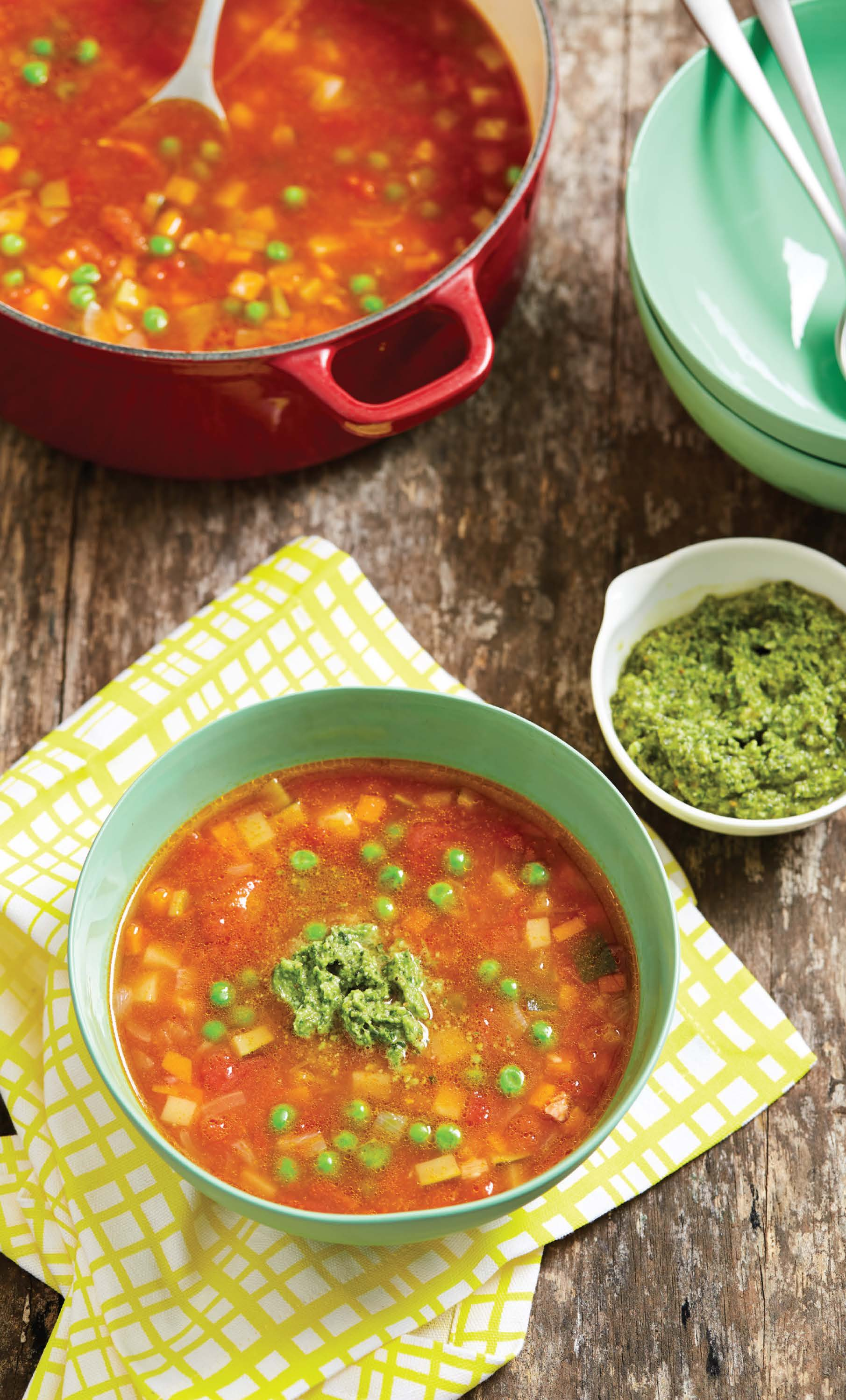Warming vegetable and bean soup with pesto