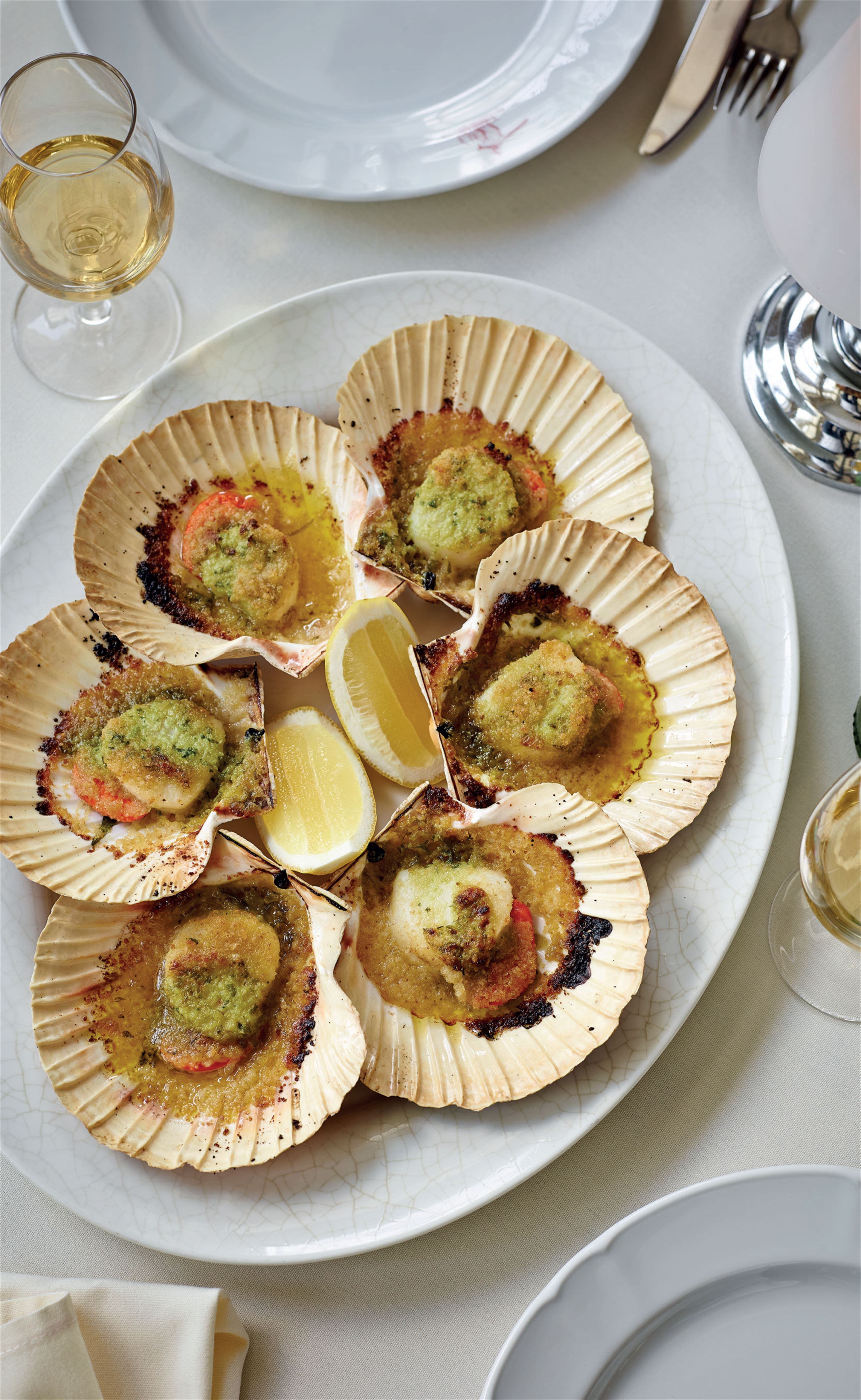 Scallops with white port and garlic