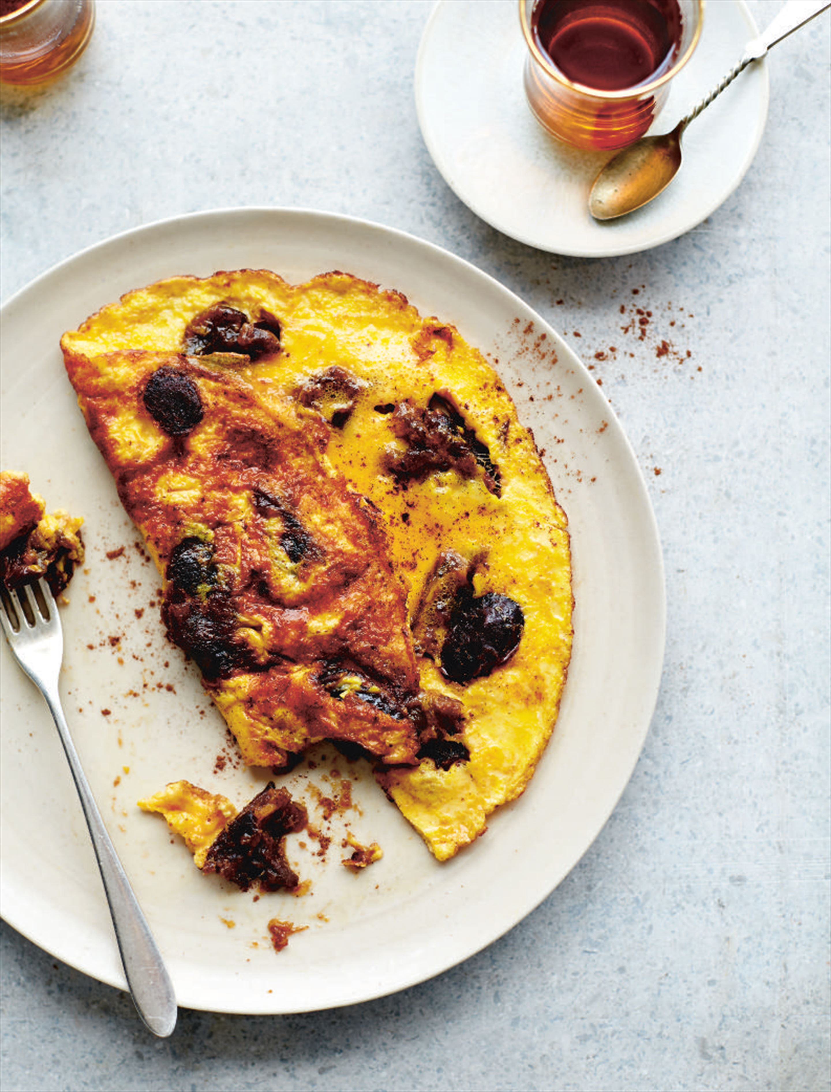 Date and cinnamon omelette