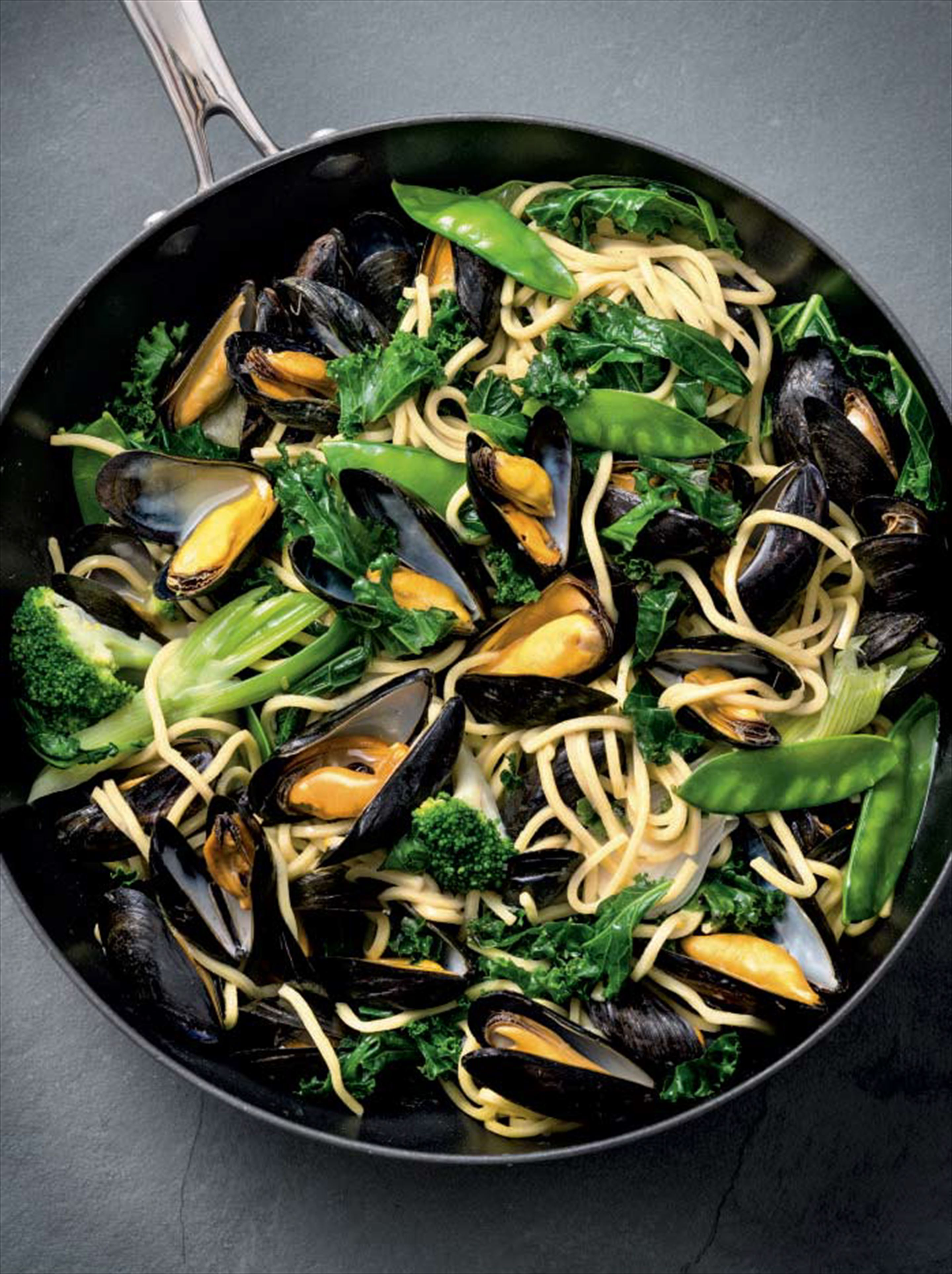 Mussels with lemon butter, greens & noodles