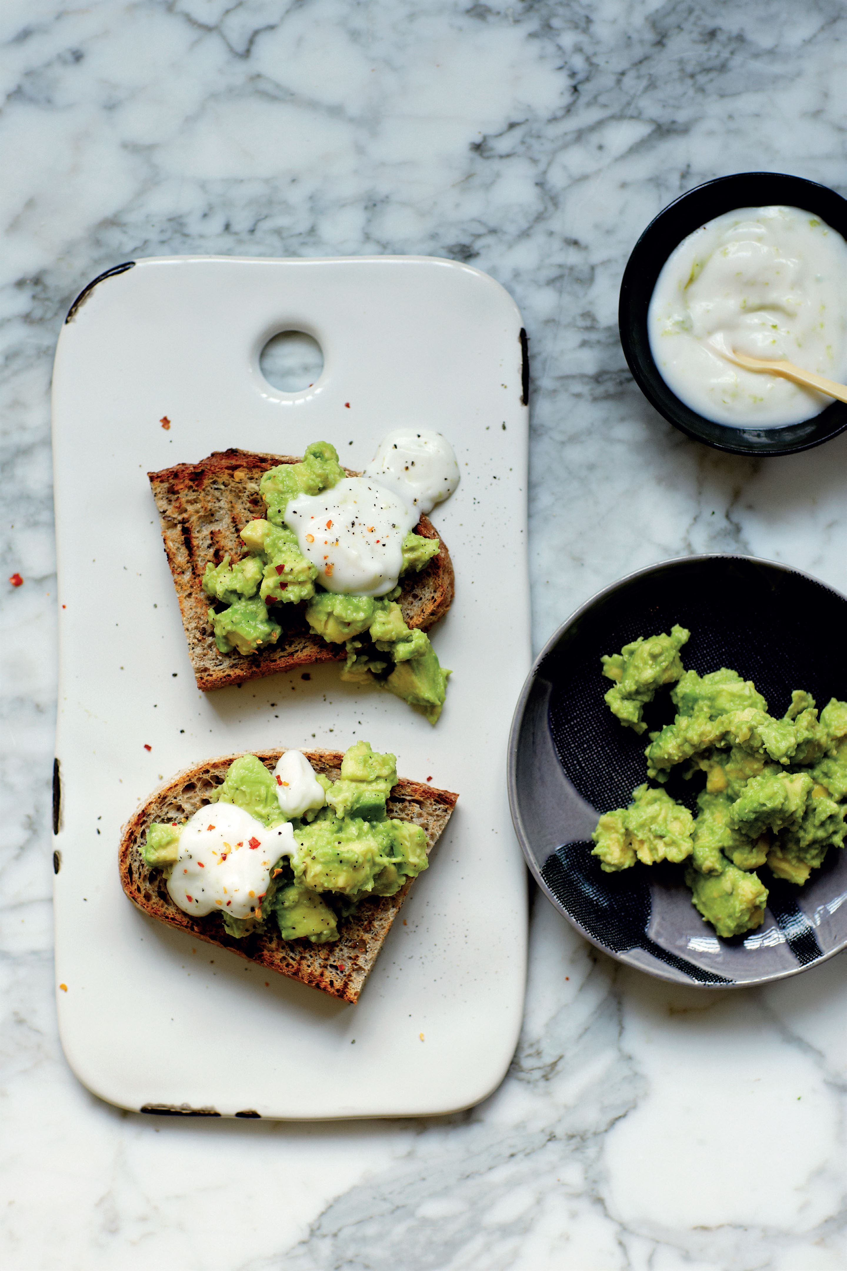 Avocado and lime yogurt toast with chilli