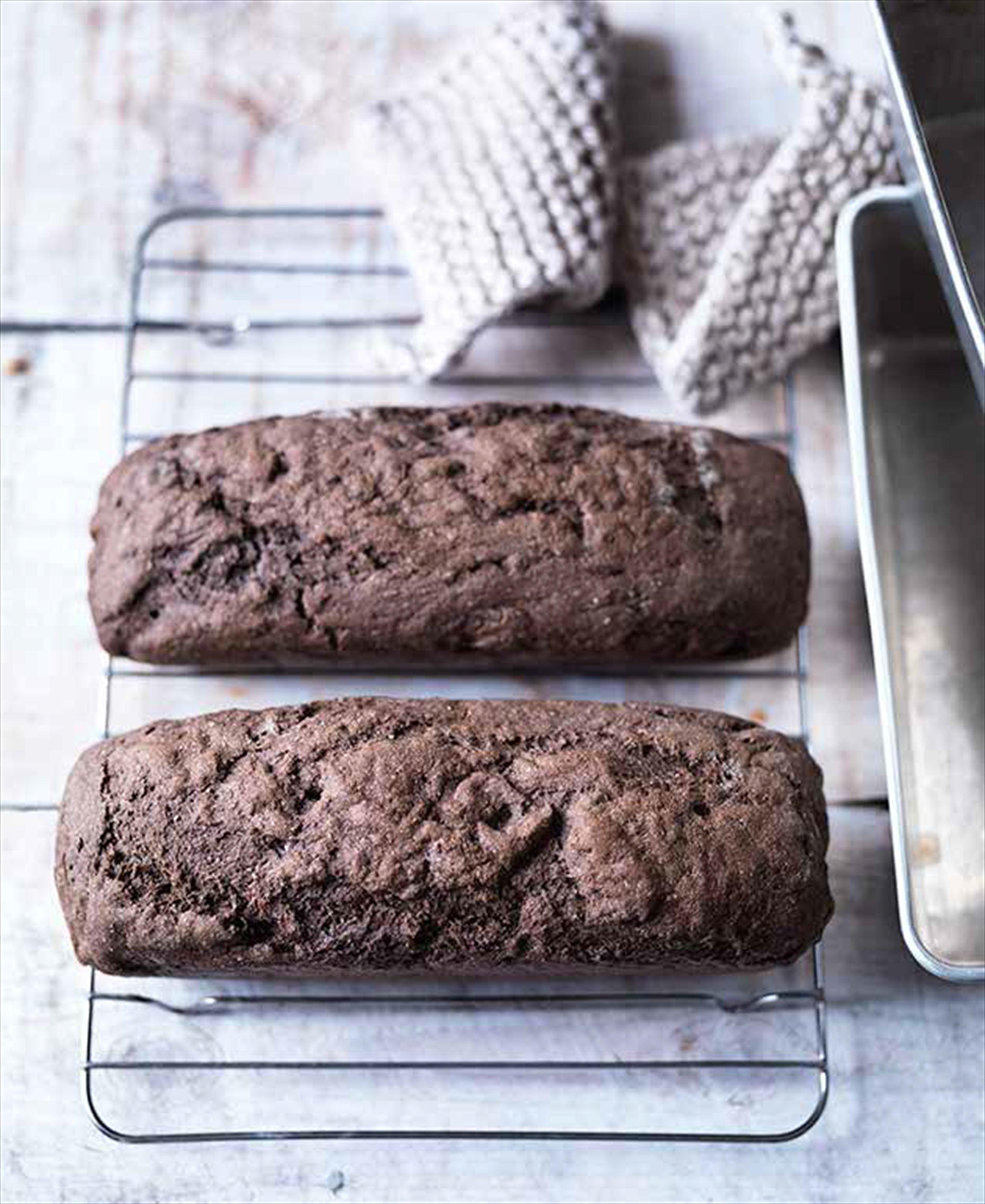 Sweet rye bread with fennel seeds
