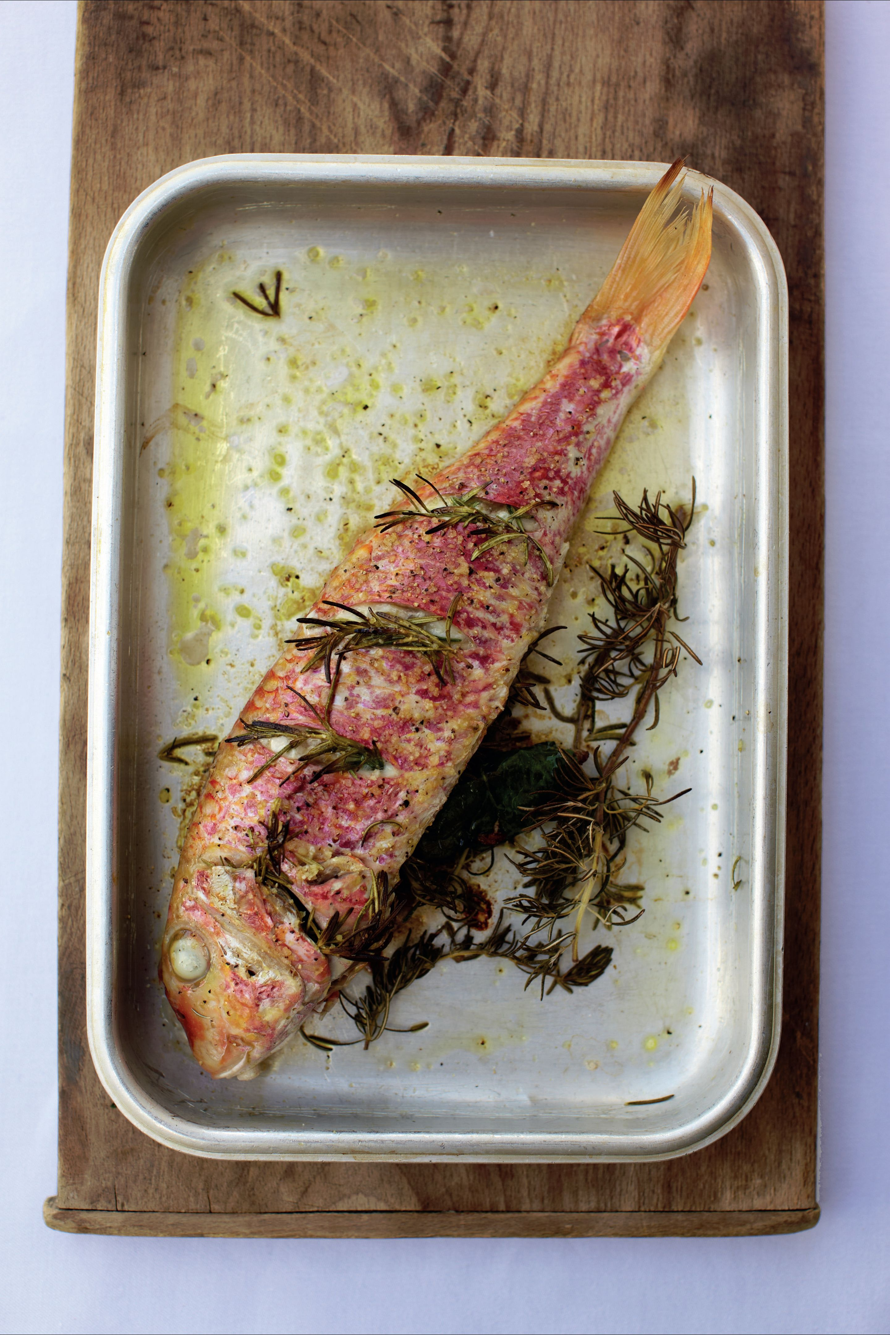Red mullet baked with rosemary and wild garlic