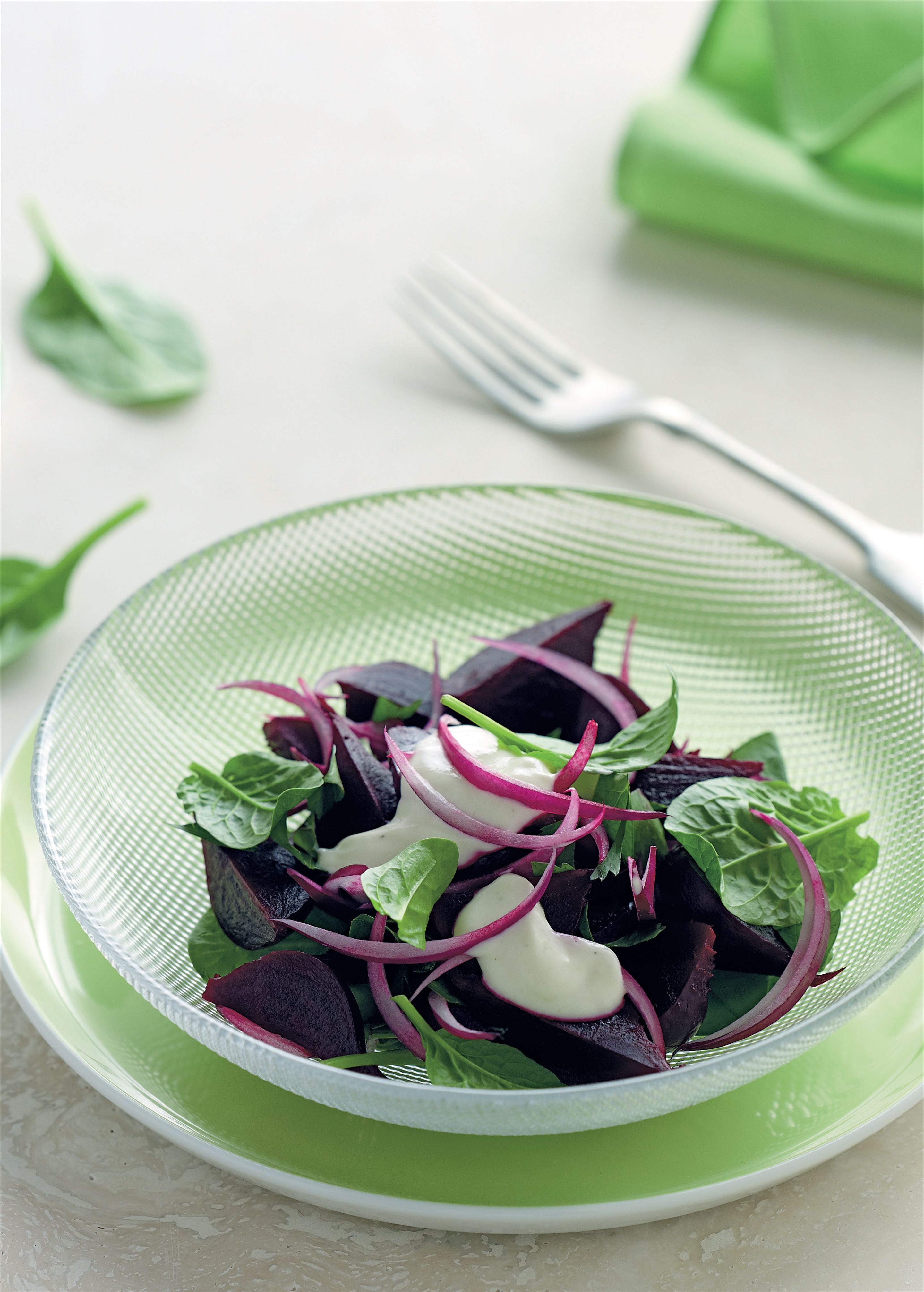 Beetroot, spinach and yoghurt salad