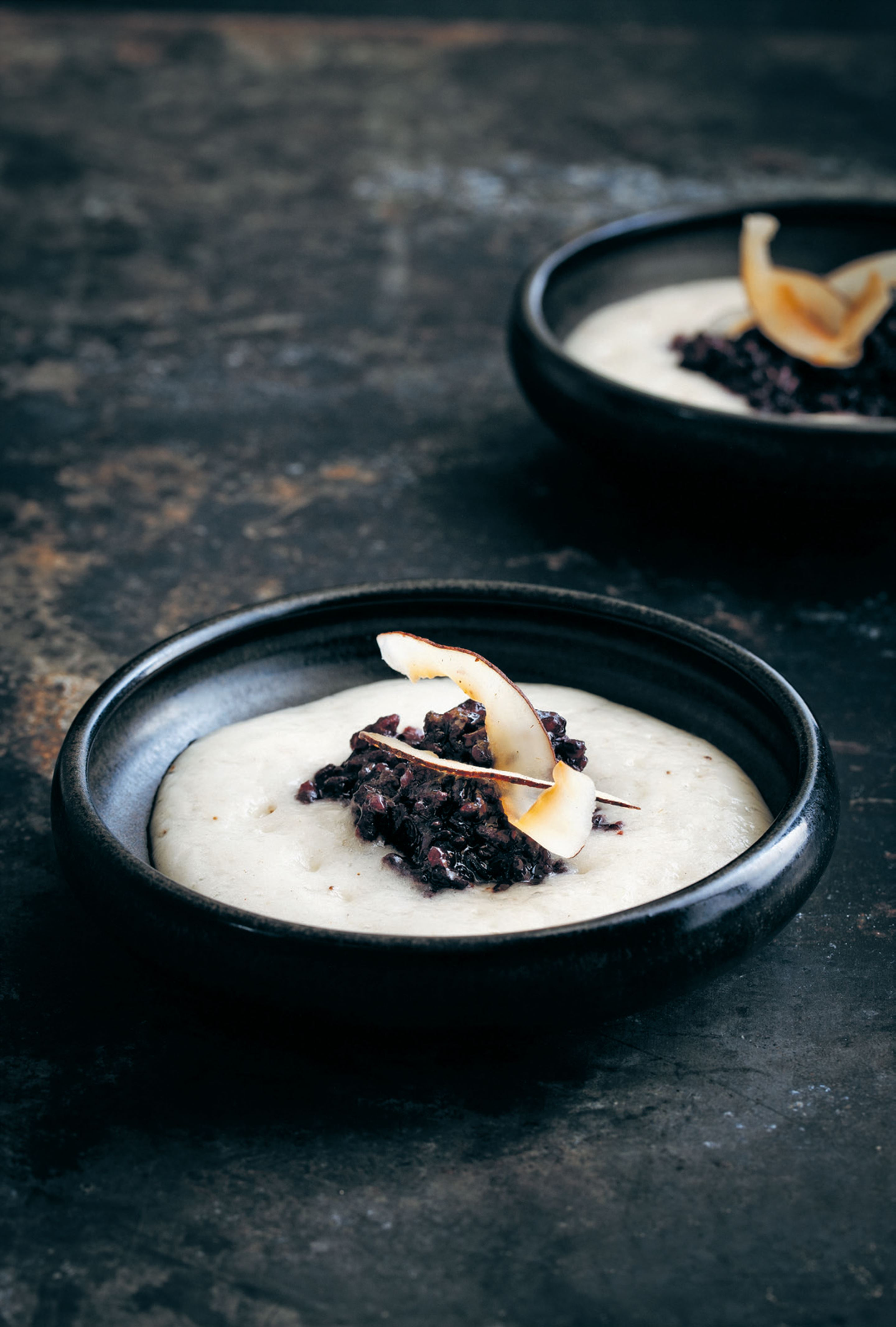 Black sticky rice with custard apple cream
