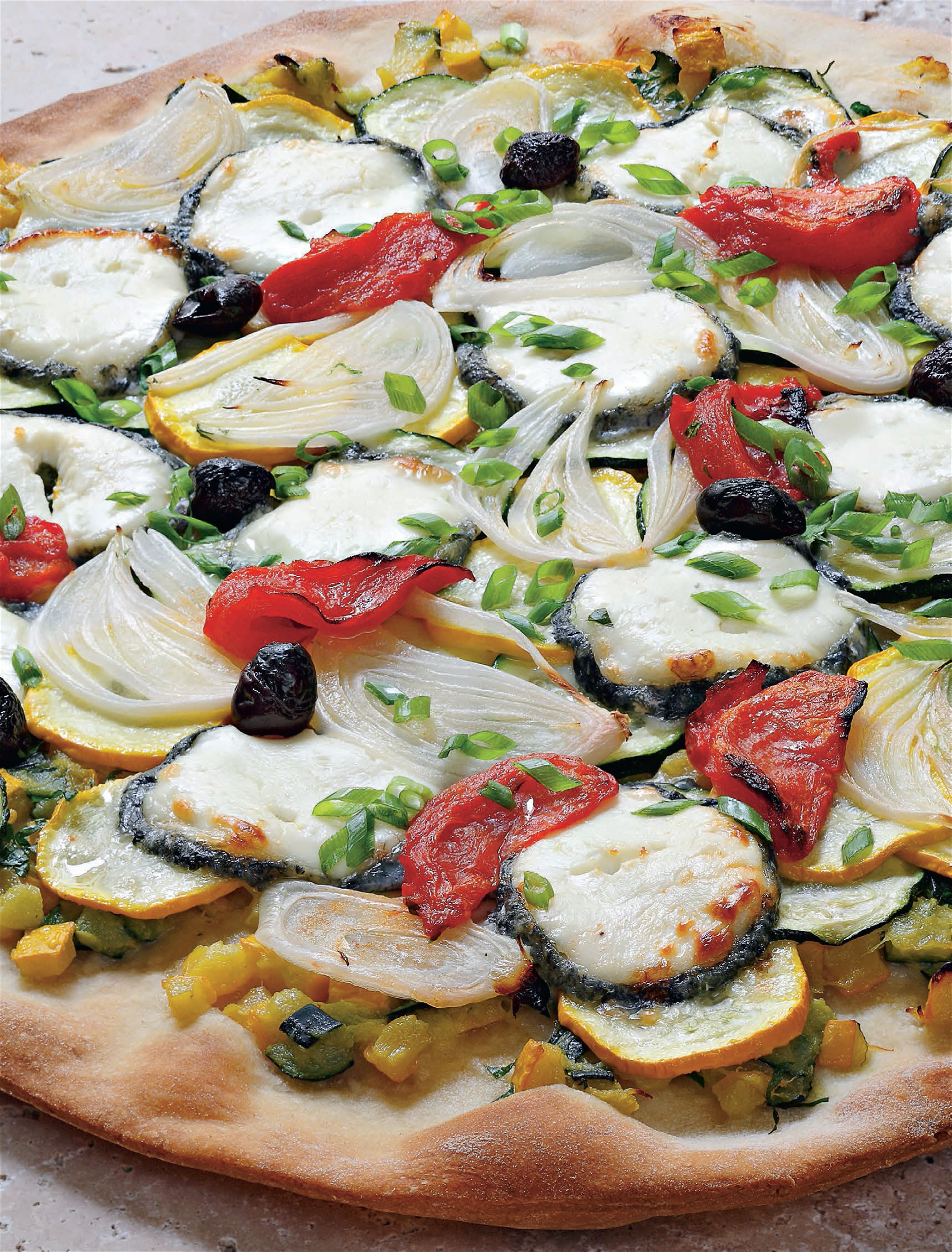 Courgette and sainte-maure pizza