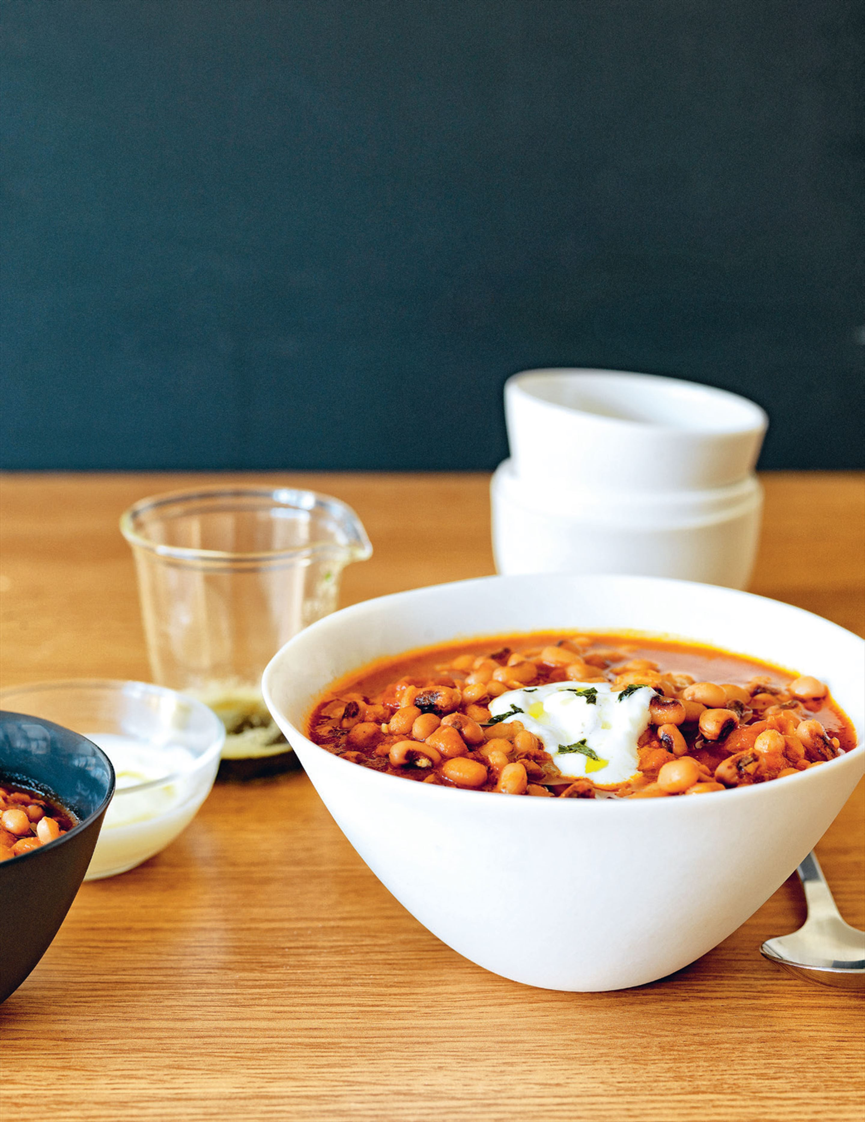 Turkish spiced black-eyed peas with yoghurt & mint butter