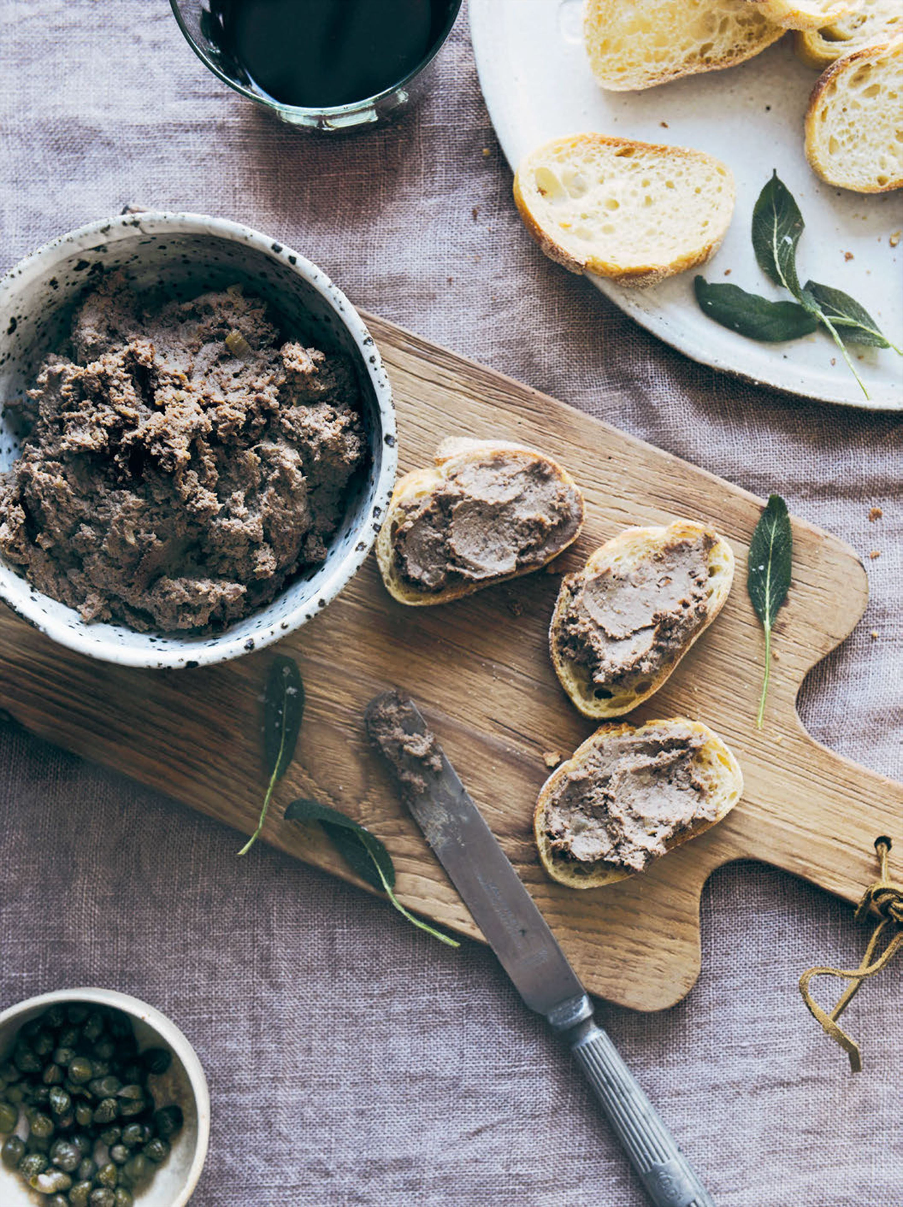 Chicken liver pâté crostini