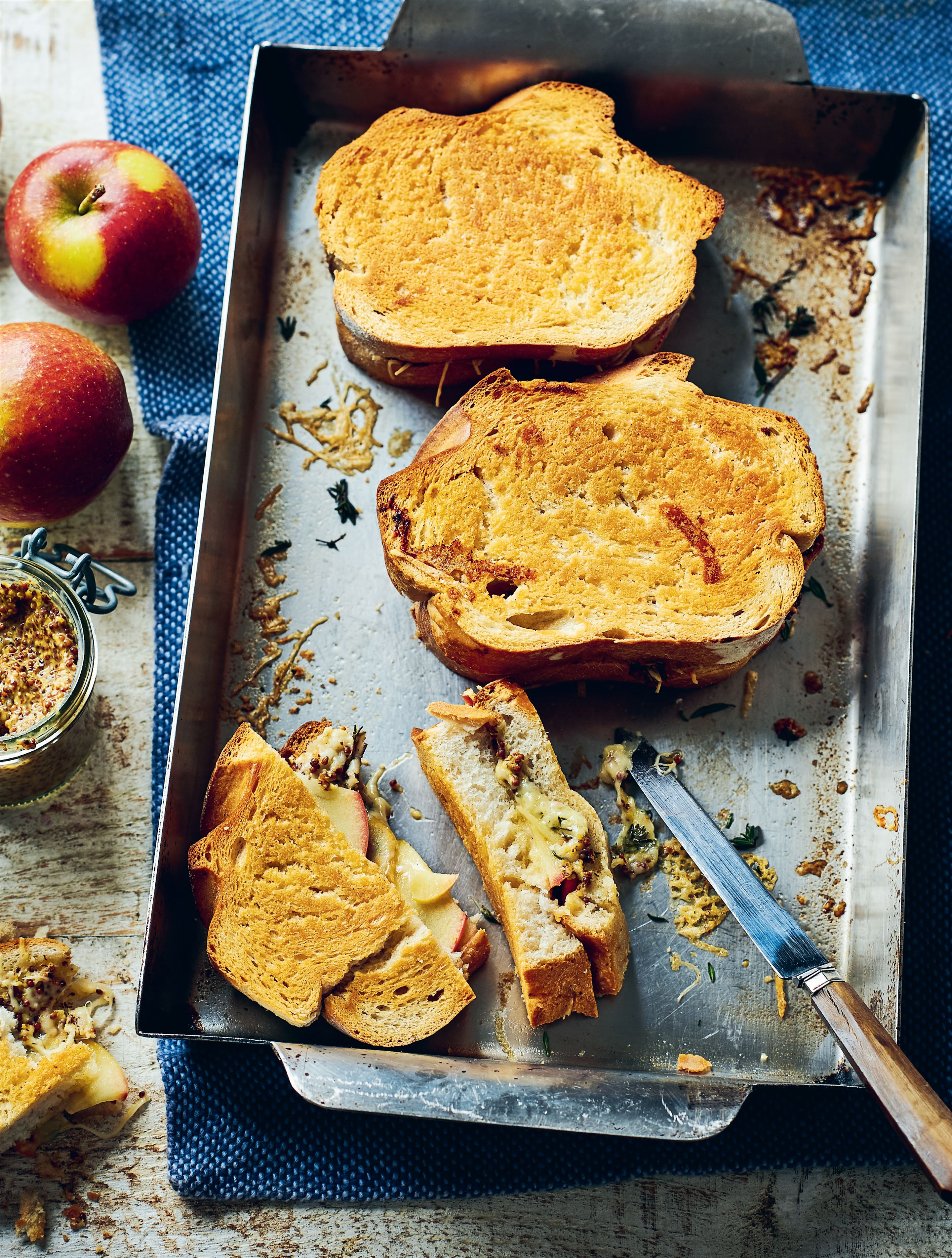 Cheese toasties with apple, thyme and mustard