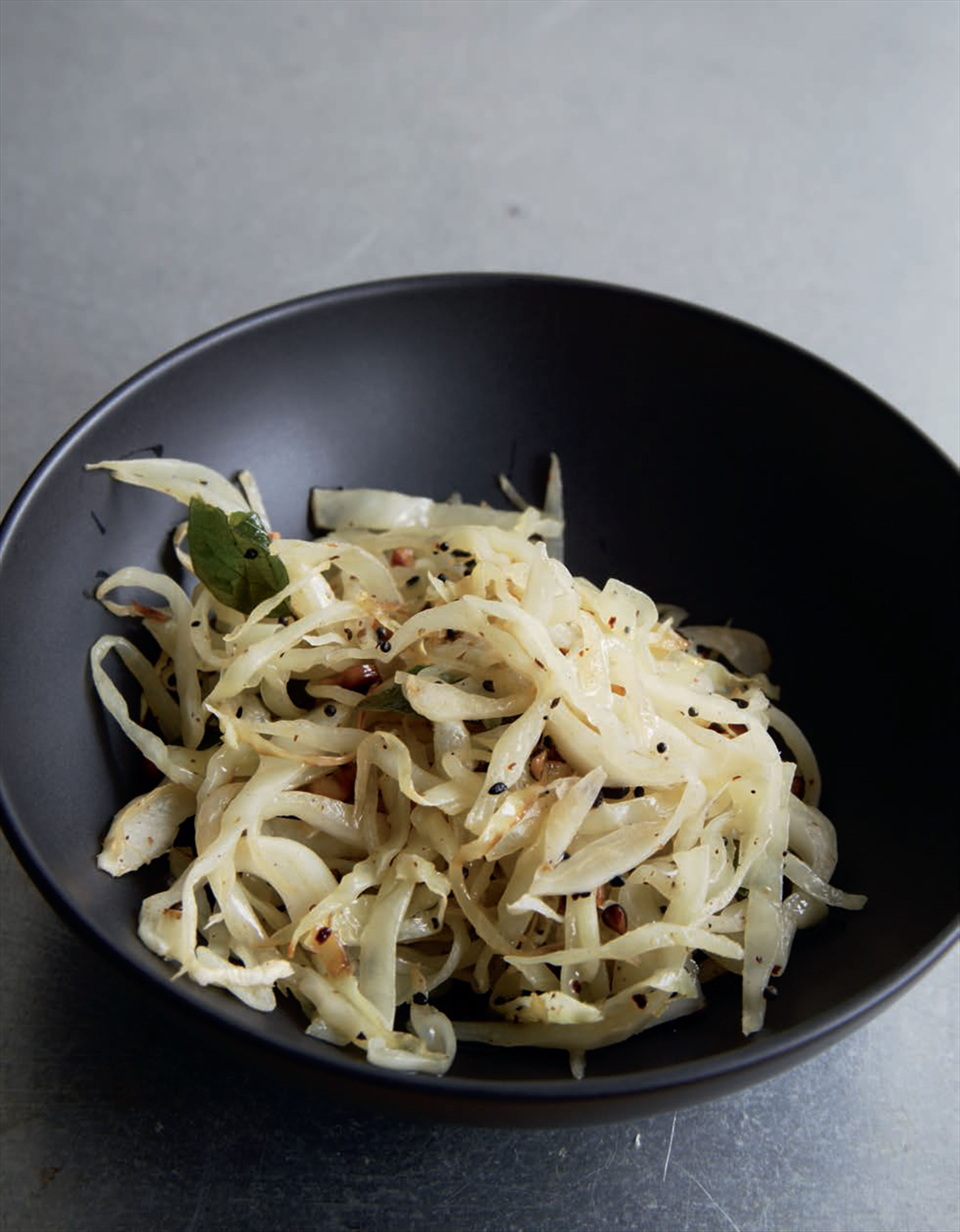 Stir-fried nigella cabbage