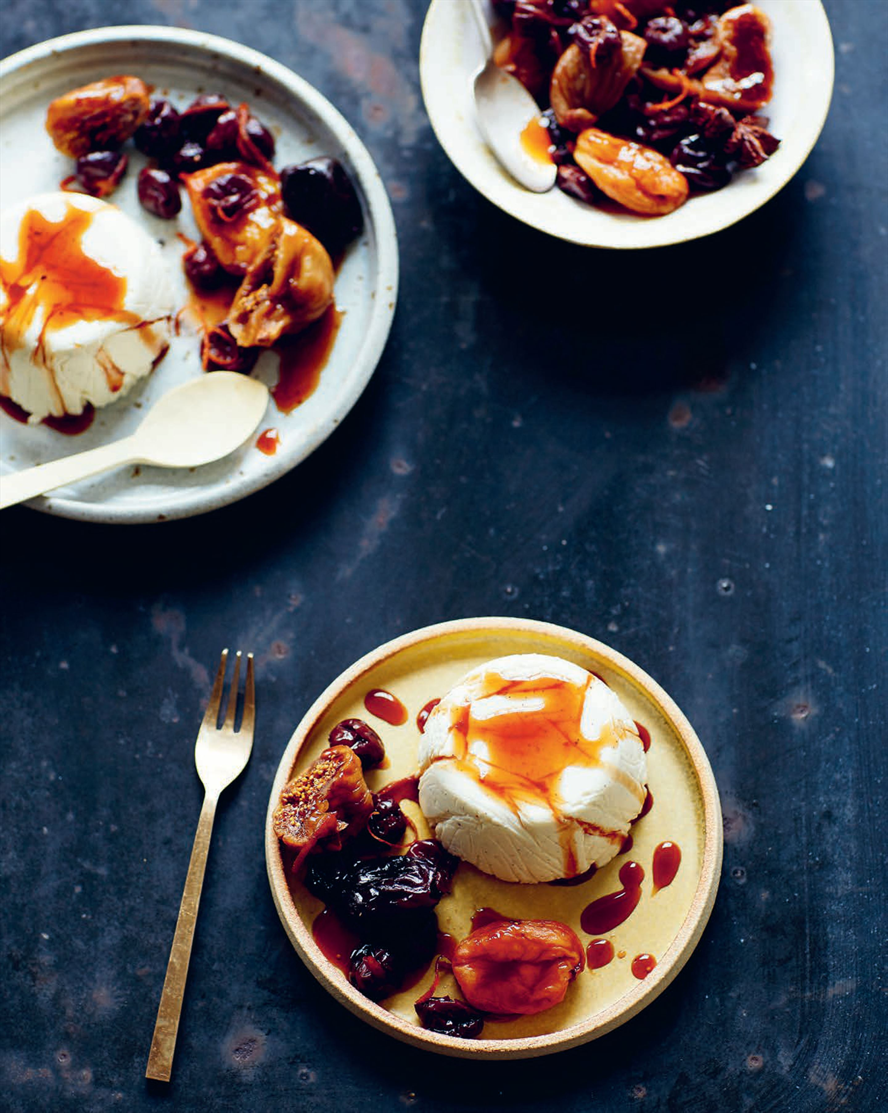 Cardamom buttermilk panna cotta with dried fruit compote