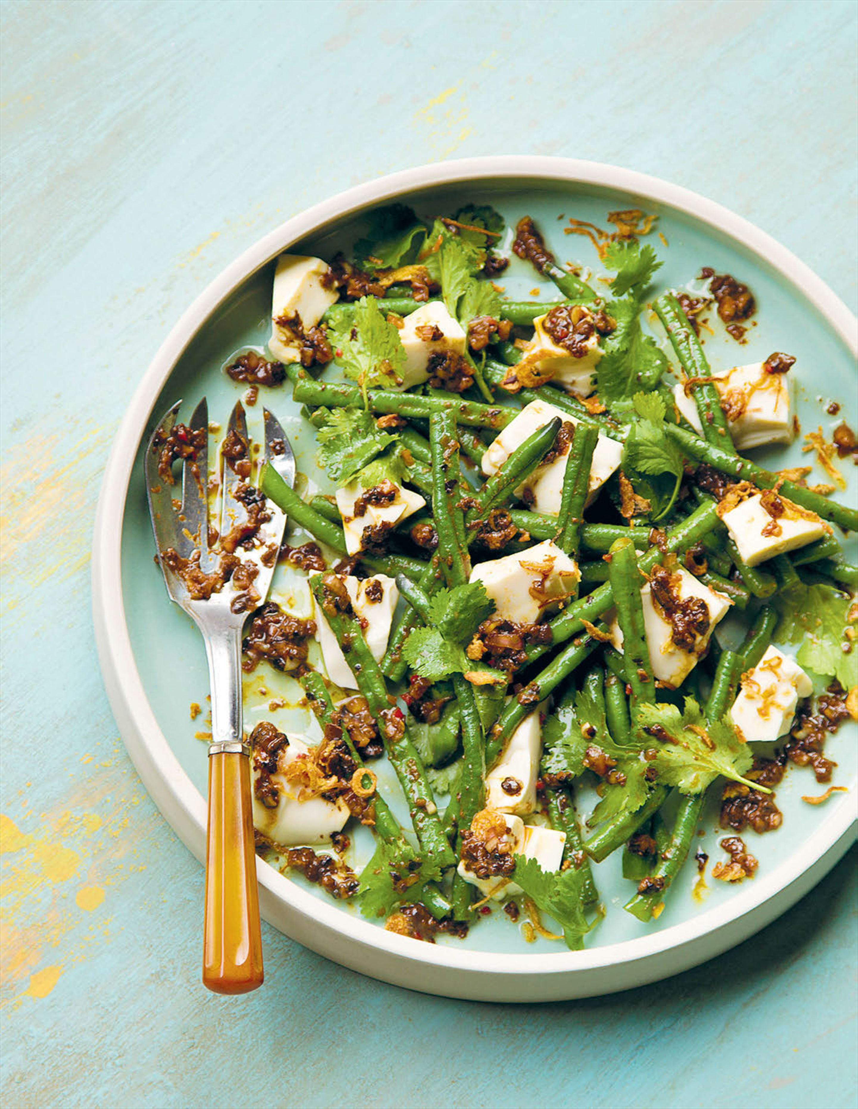 Salad of tofu, snake beans and crispy shallot with black bean vinaigrette