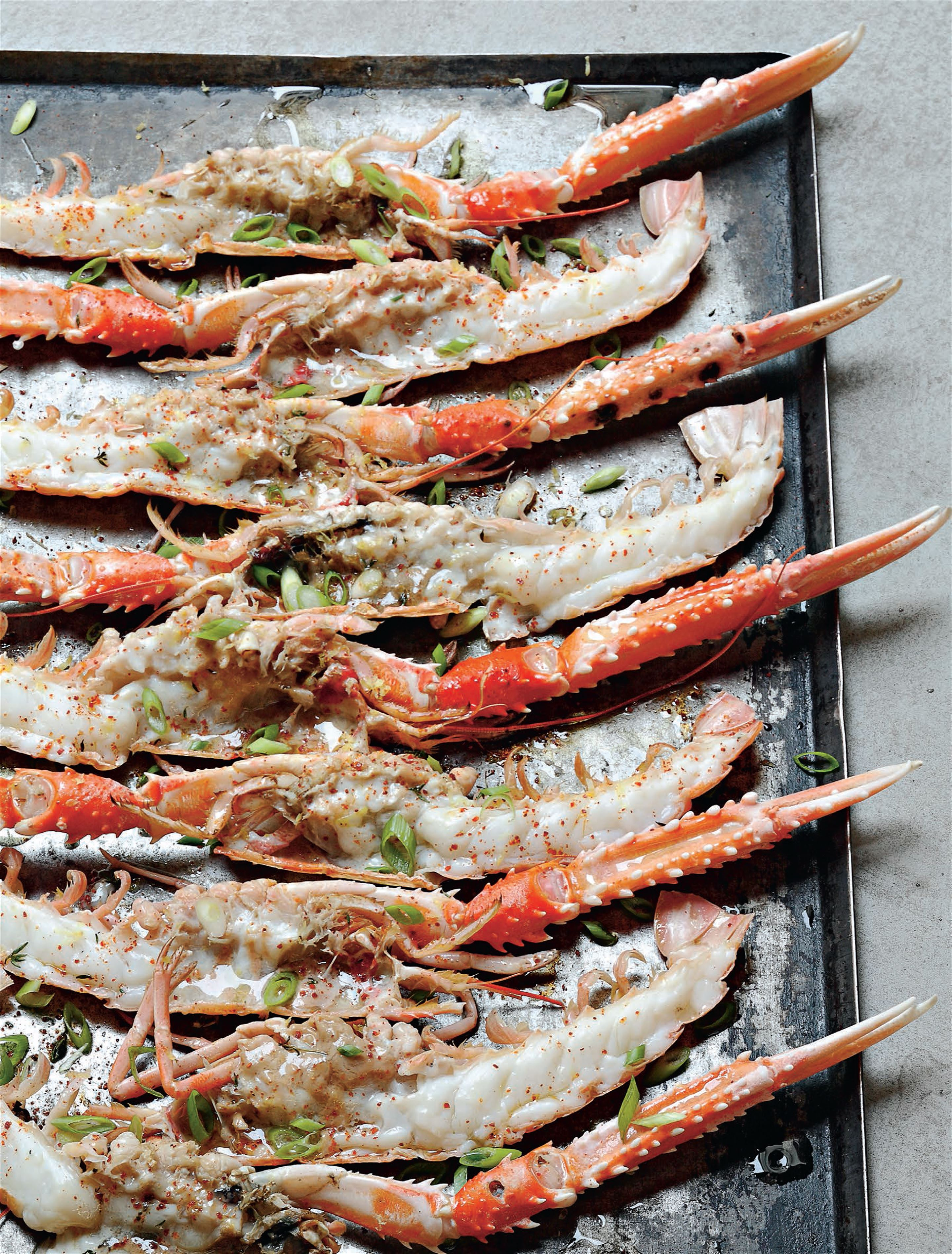 Grilled langoustines with lemon