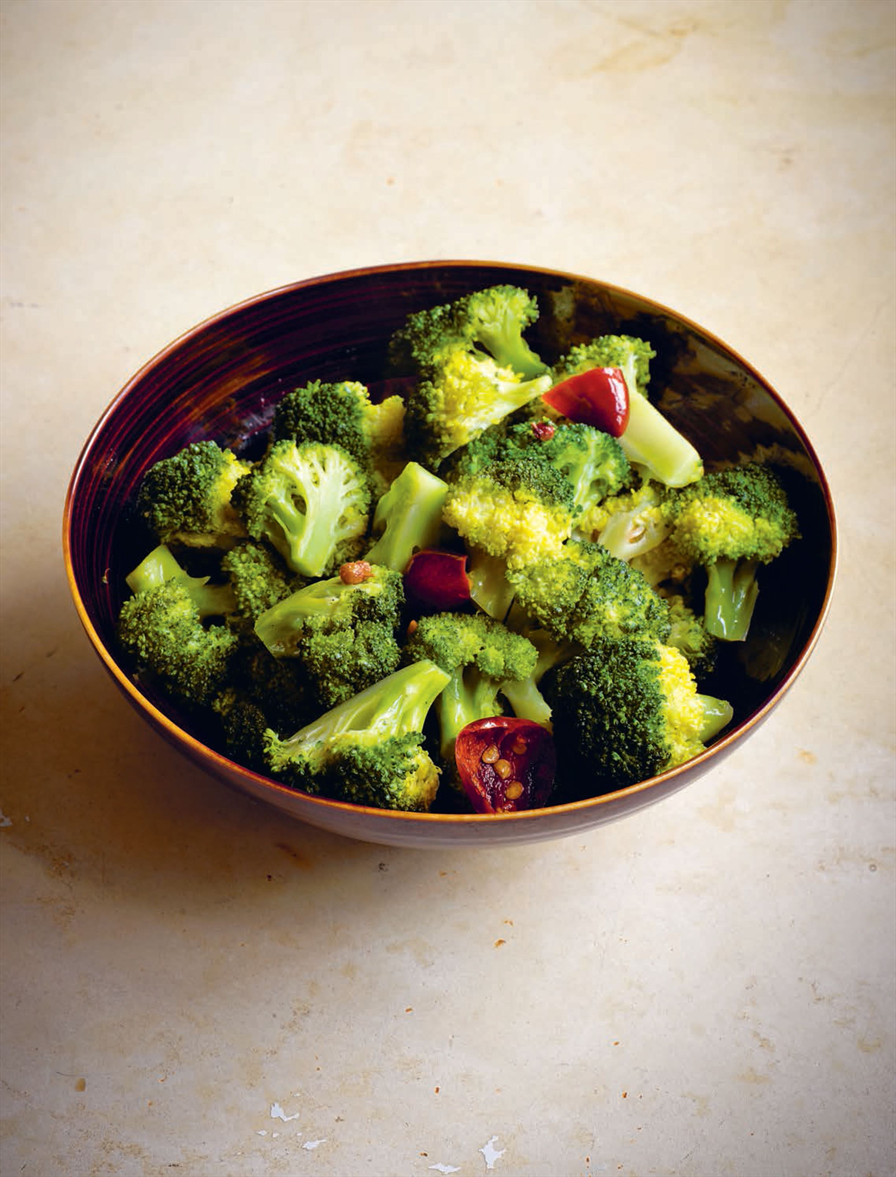 Stir-fried broccoli with chilli and Sichuan pepper