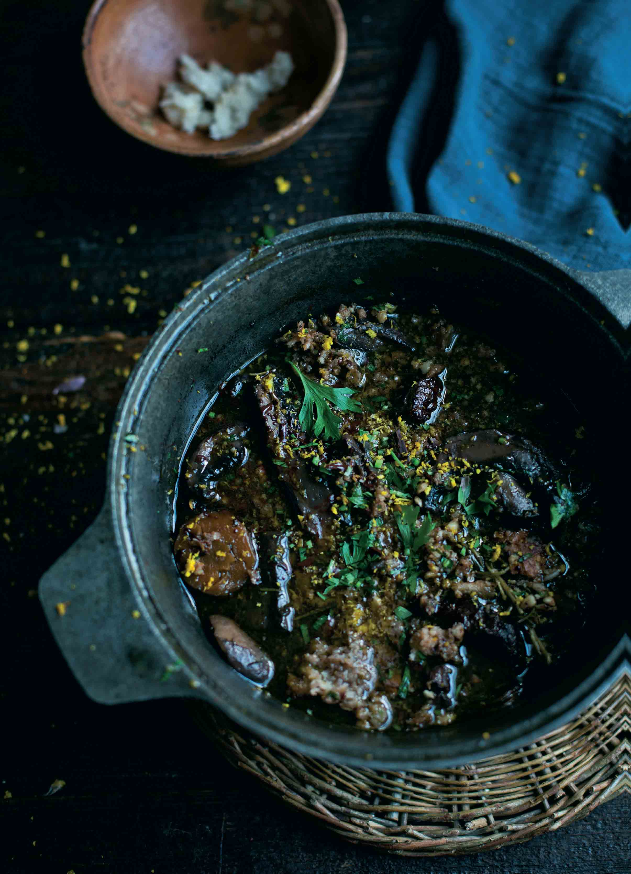 Ox cheek and mushroom stew with chocolate and orange picada