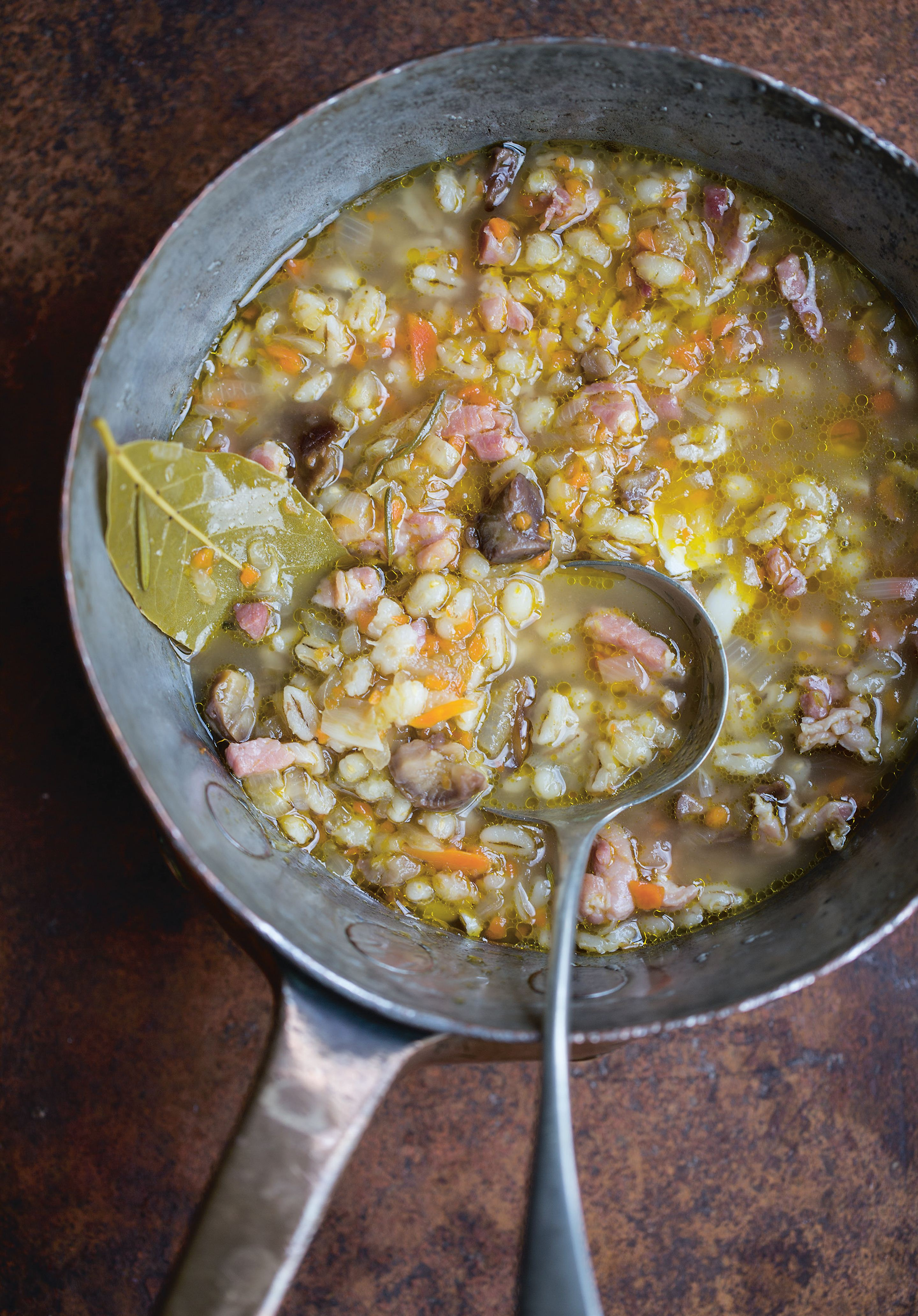 Bacon, chestnut and barley soup