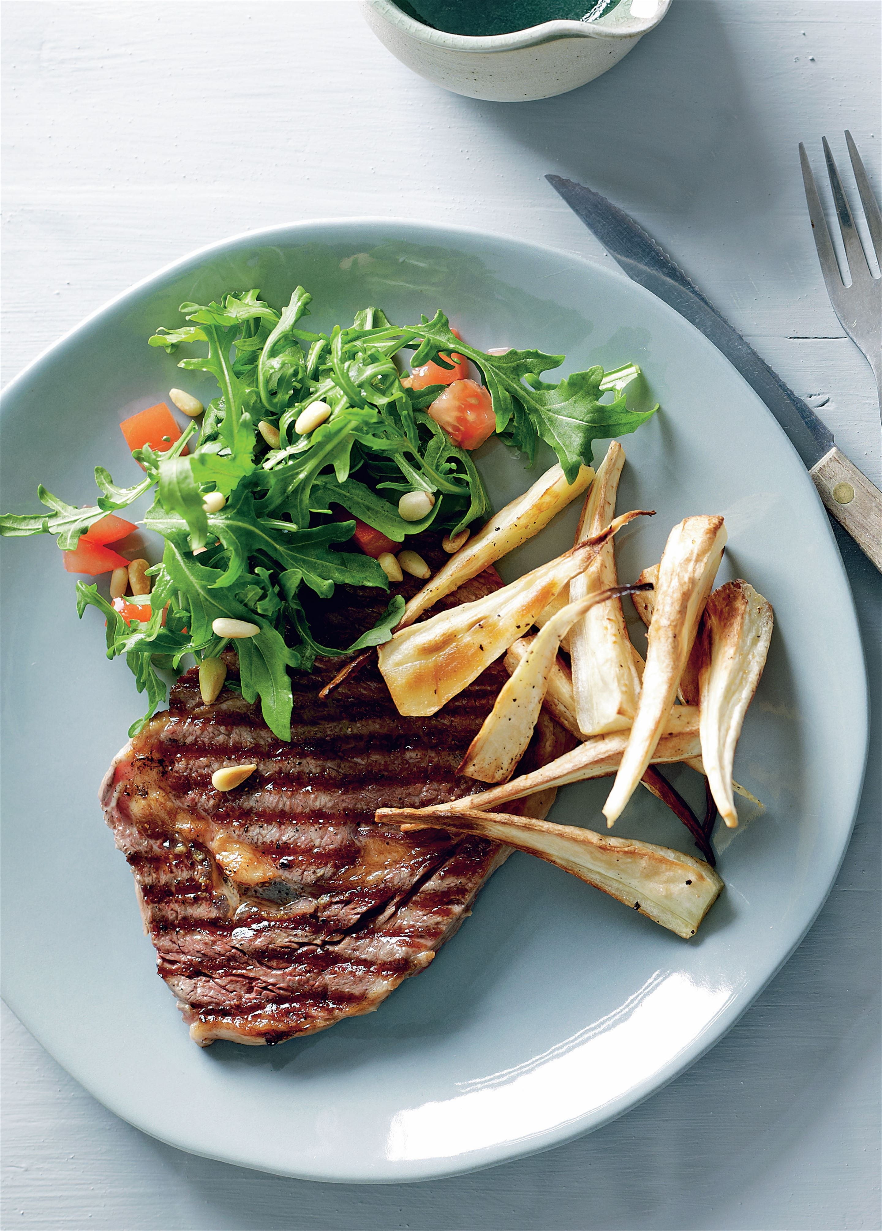 Minute steak with lemon rocket salad