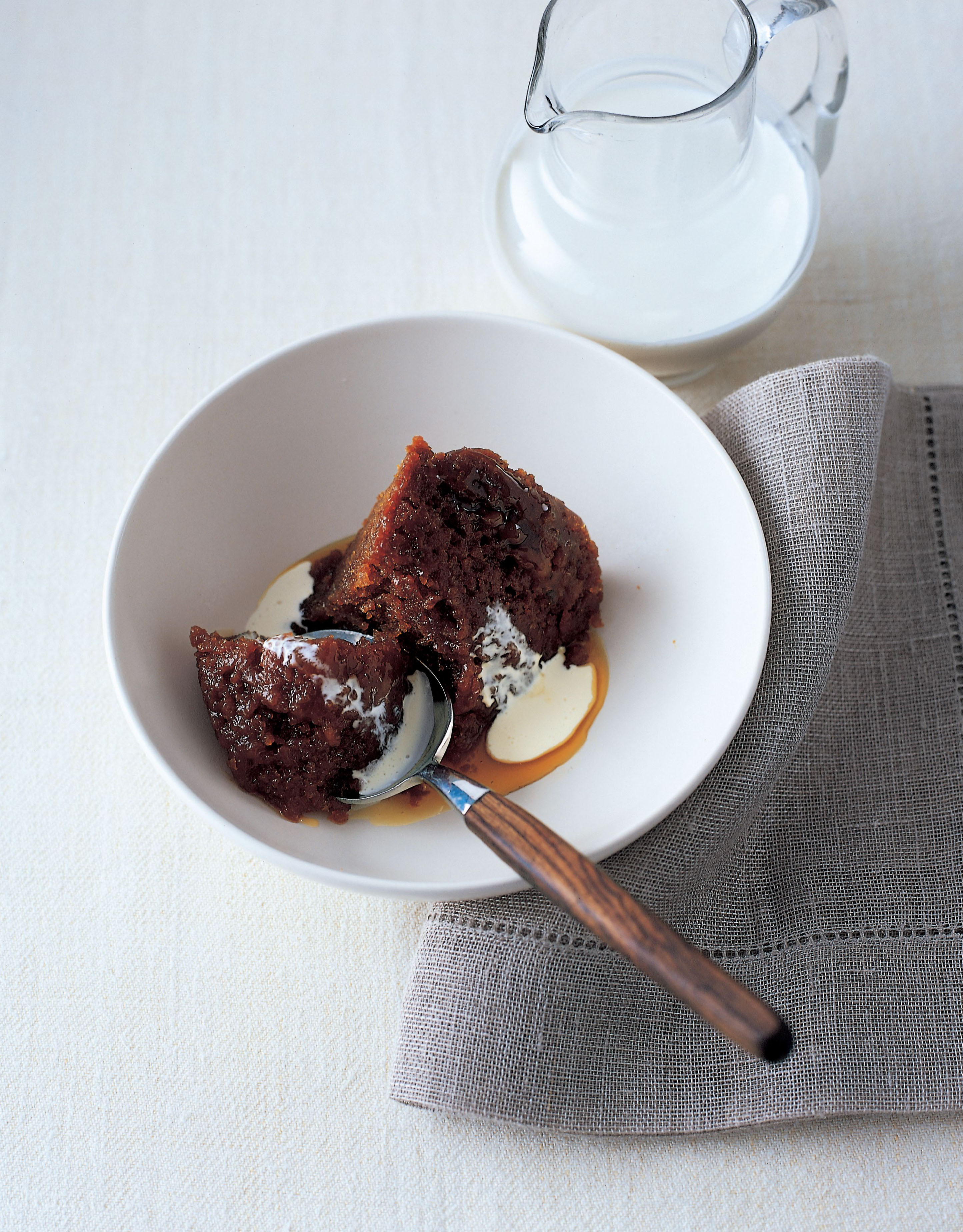 Steamed treacle sponge pudding