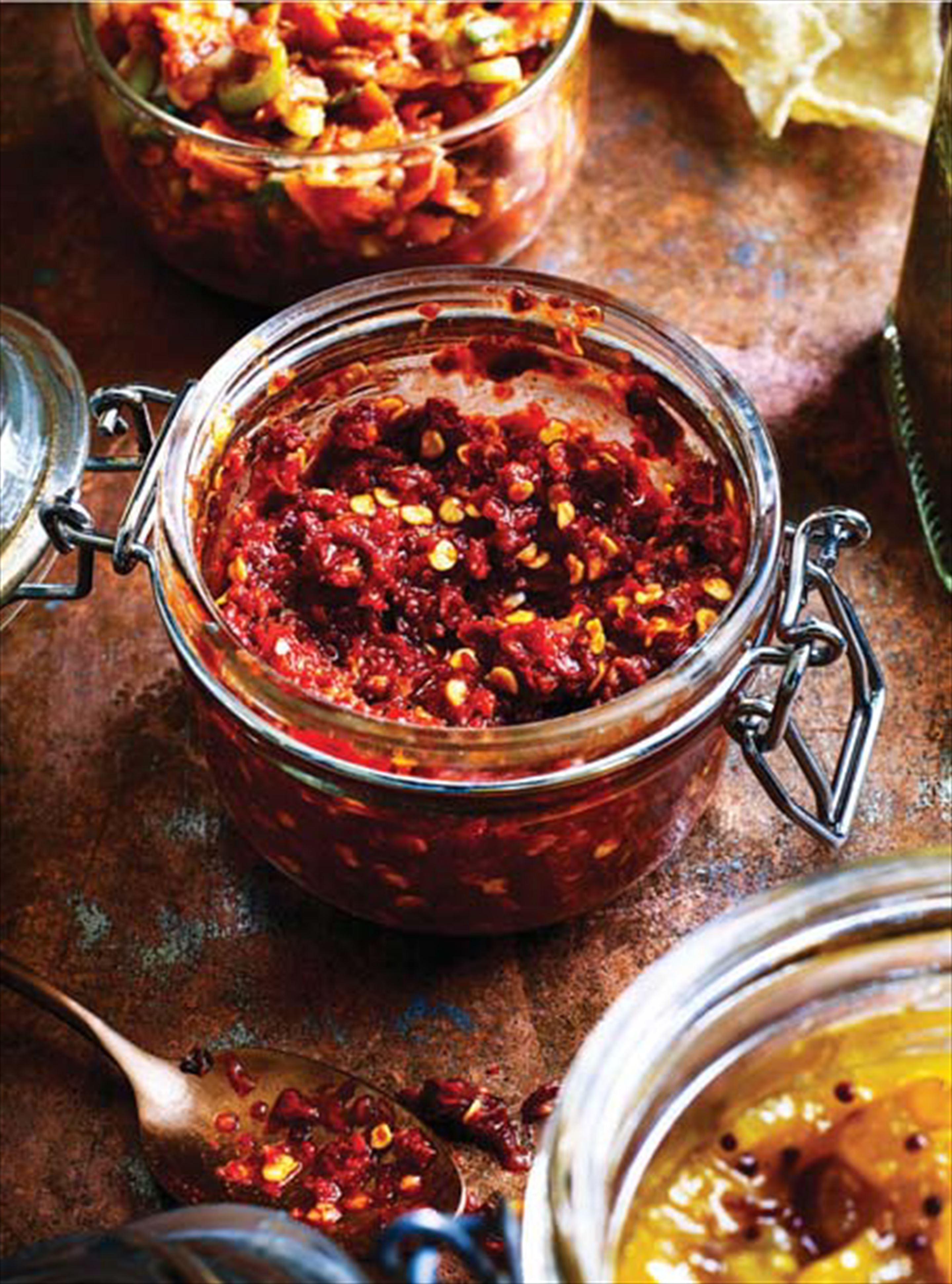 Tomato, onion and chilli chutney