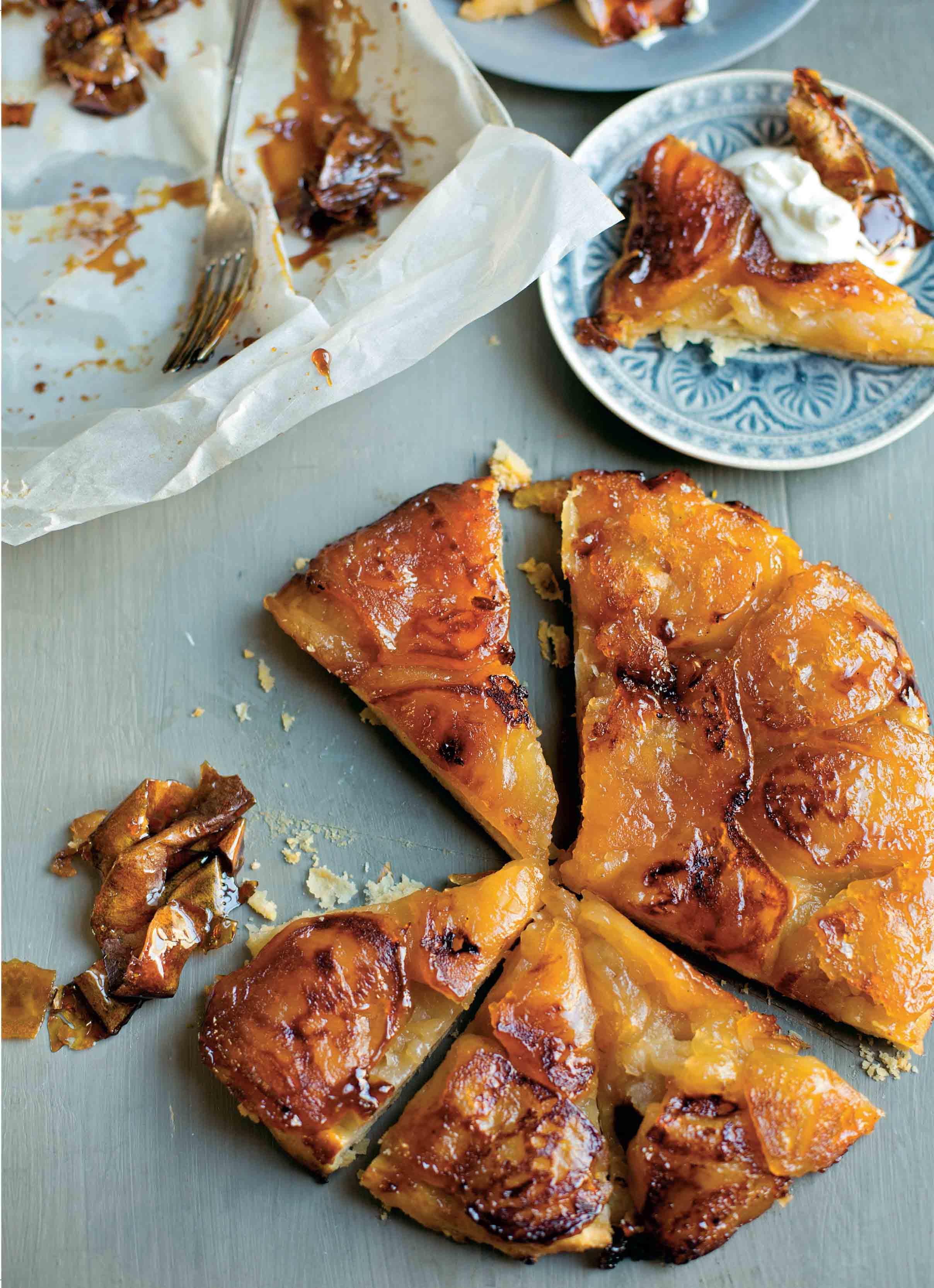 Tatin with toffee apple peel