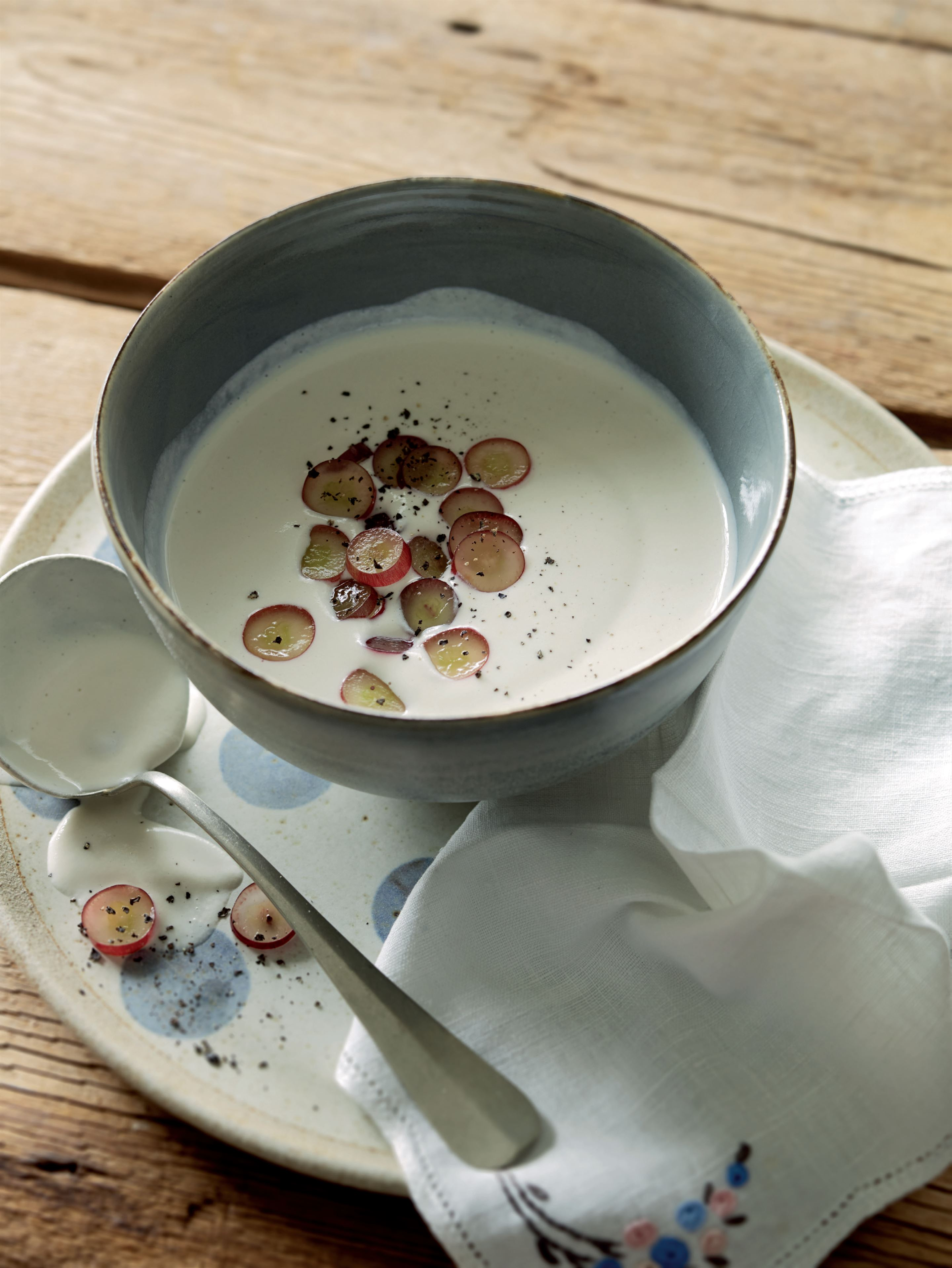 Ajo blanco with red grapes